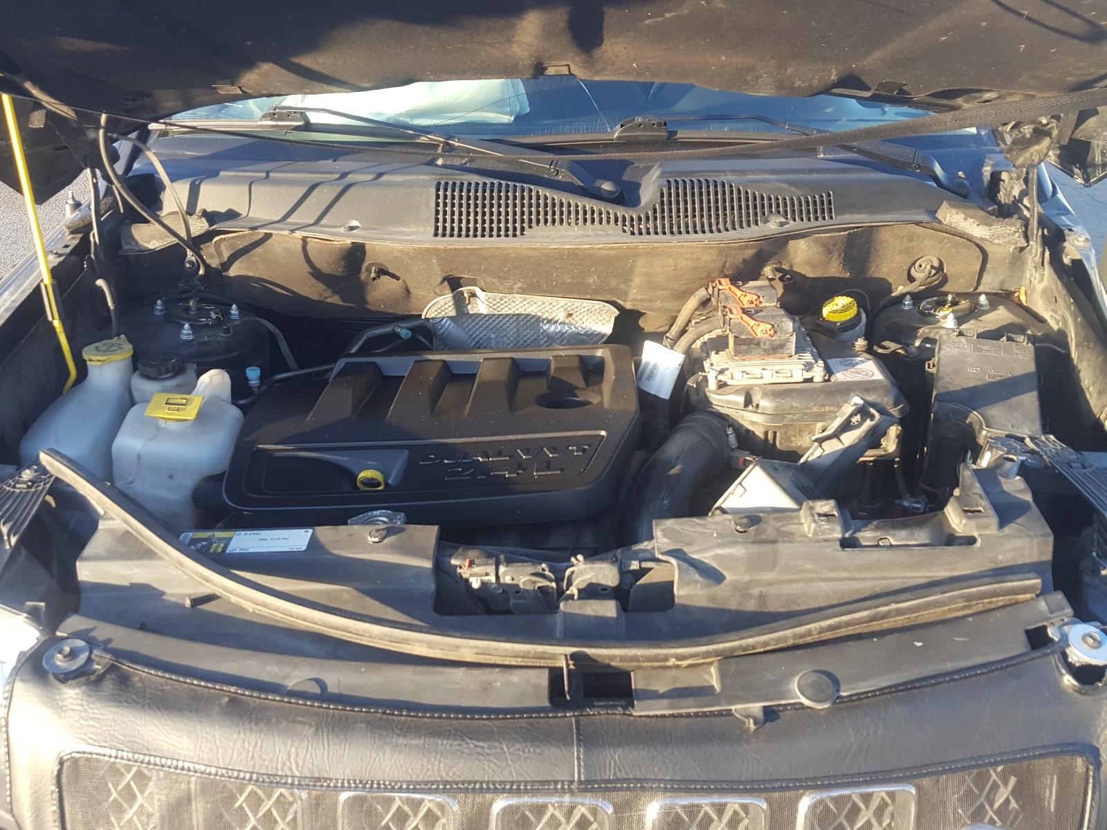 1C4NJDEB5GD733149 - 2016 Jeep Compass La 2.4L inside view