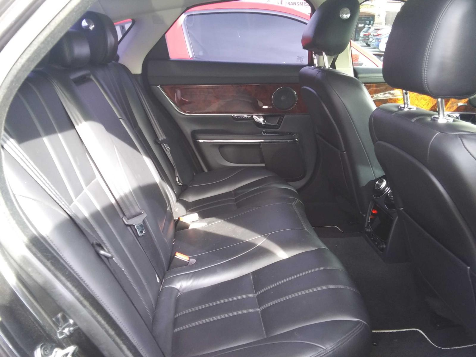 SAJWA1C79D8V42339 - 2013 Jaguar Xj 3.0L detail view