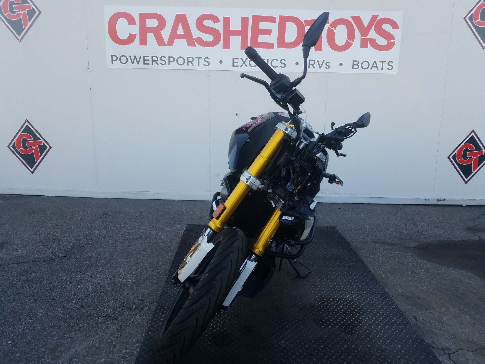 WB30G1105KR857854 - 2019 Bmw G310 R 1 Right View
