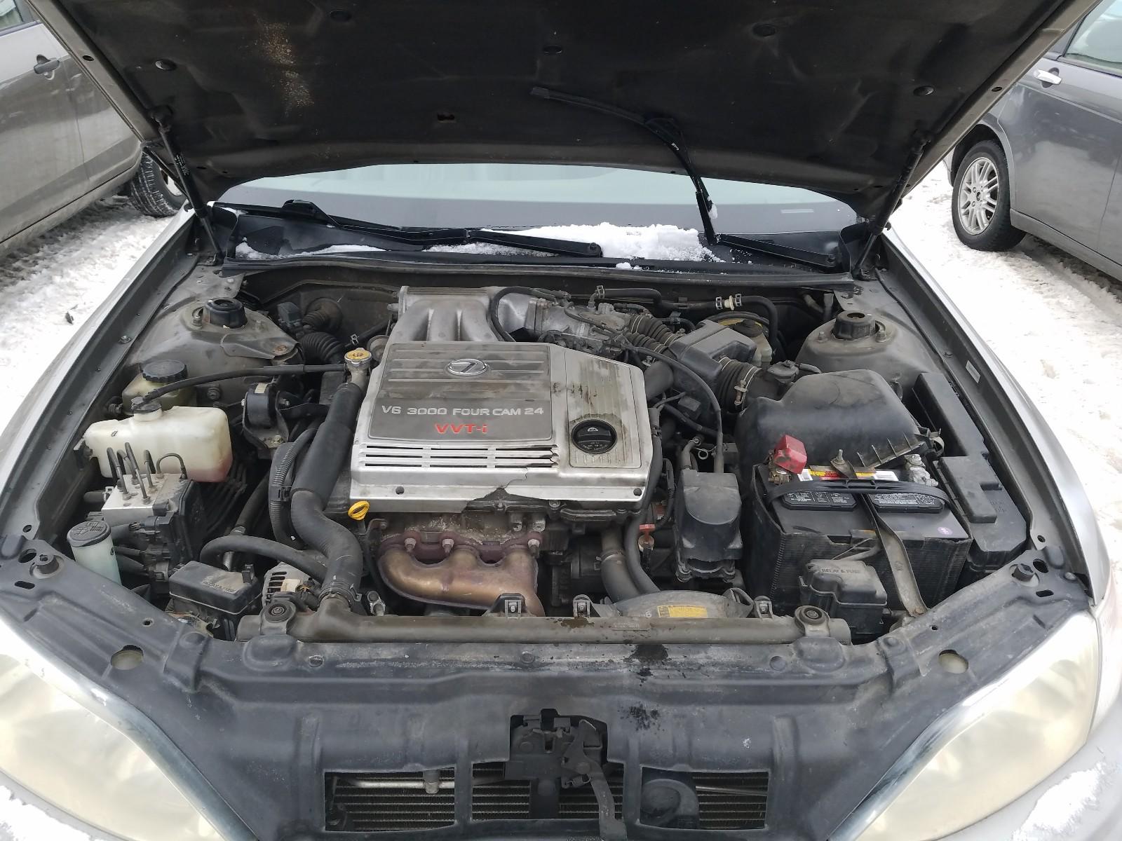 JT8BF28GXX0222882 - 1999 Lexus Es 300 3.0L inside view