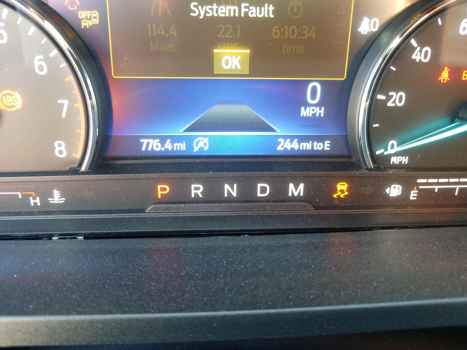 1FMSK7DH1LGB15824 - 2020 Ford Explorer X 2.3L front view
