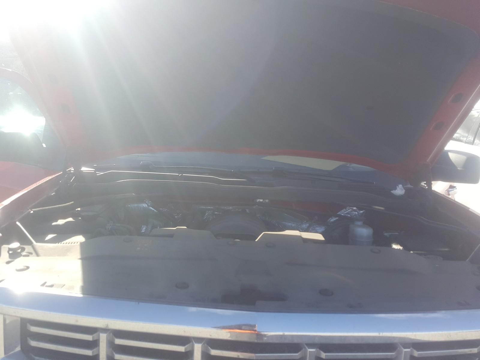 3GCUKREC0EG546934 - 2014 Chevrolet Silverado 5.3L inside view