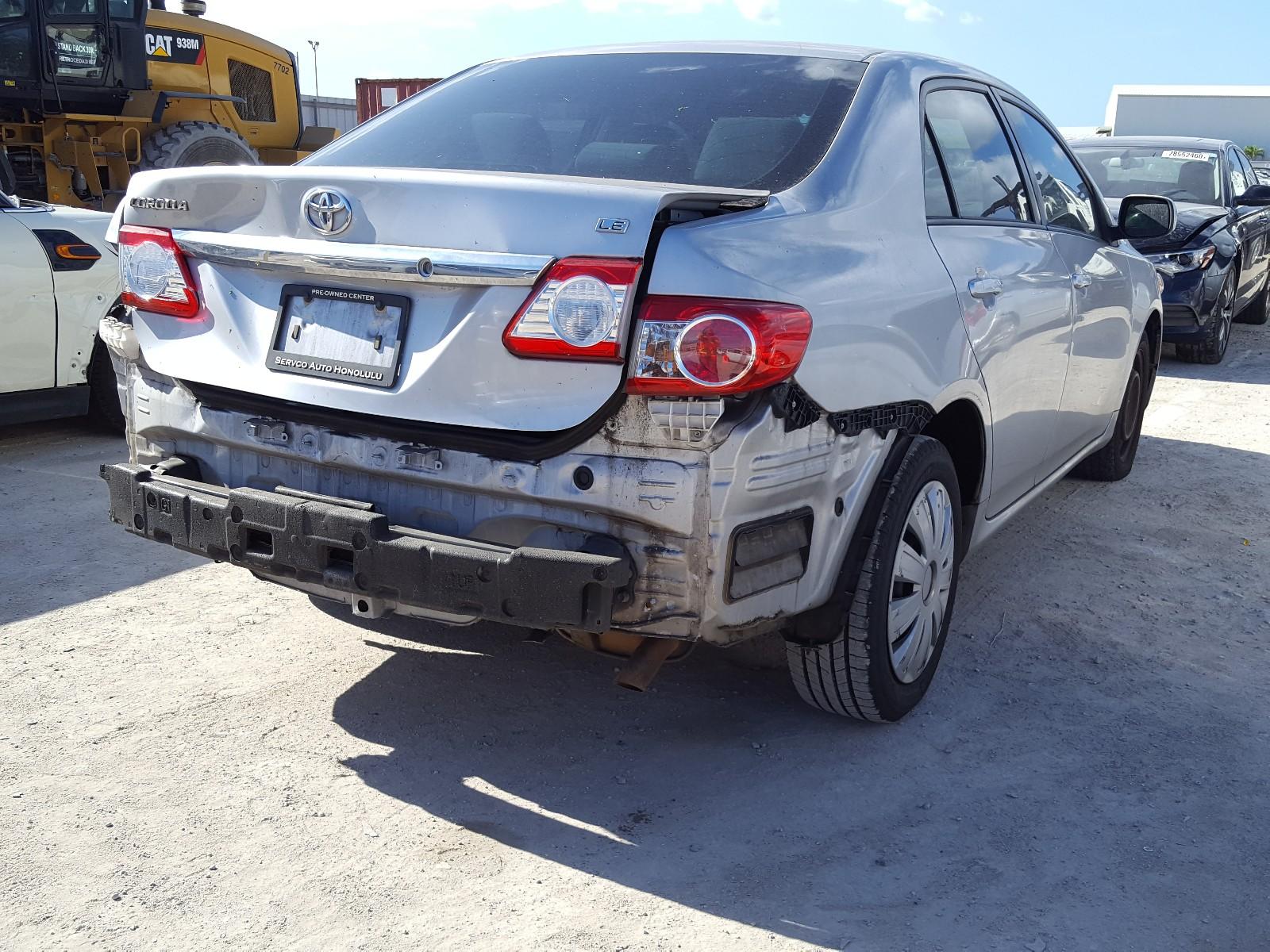 2T1BU4EE0CC763011 - 2012 Toyota Corolla Ba 1.8L rear view