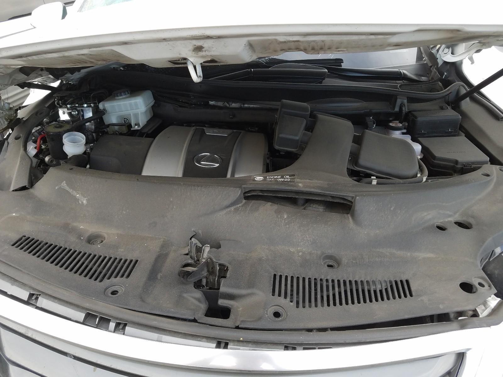 2T2BGMCA3KC032185 - 2019 Lexus Rx 450H Ba 3.5L inside view