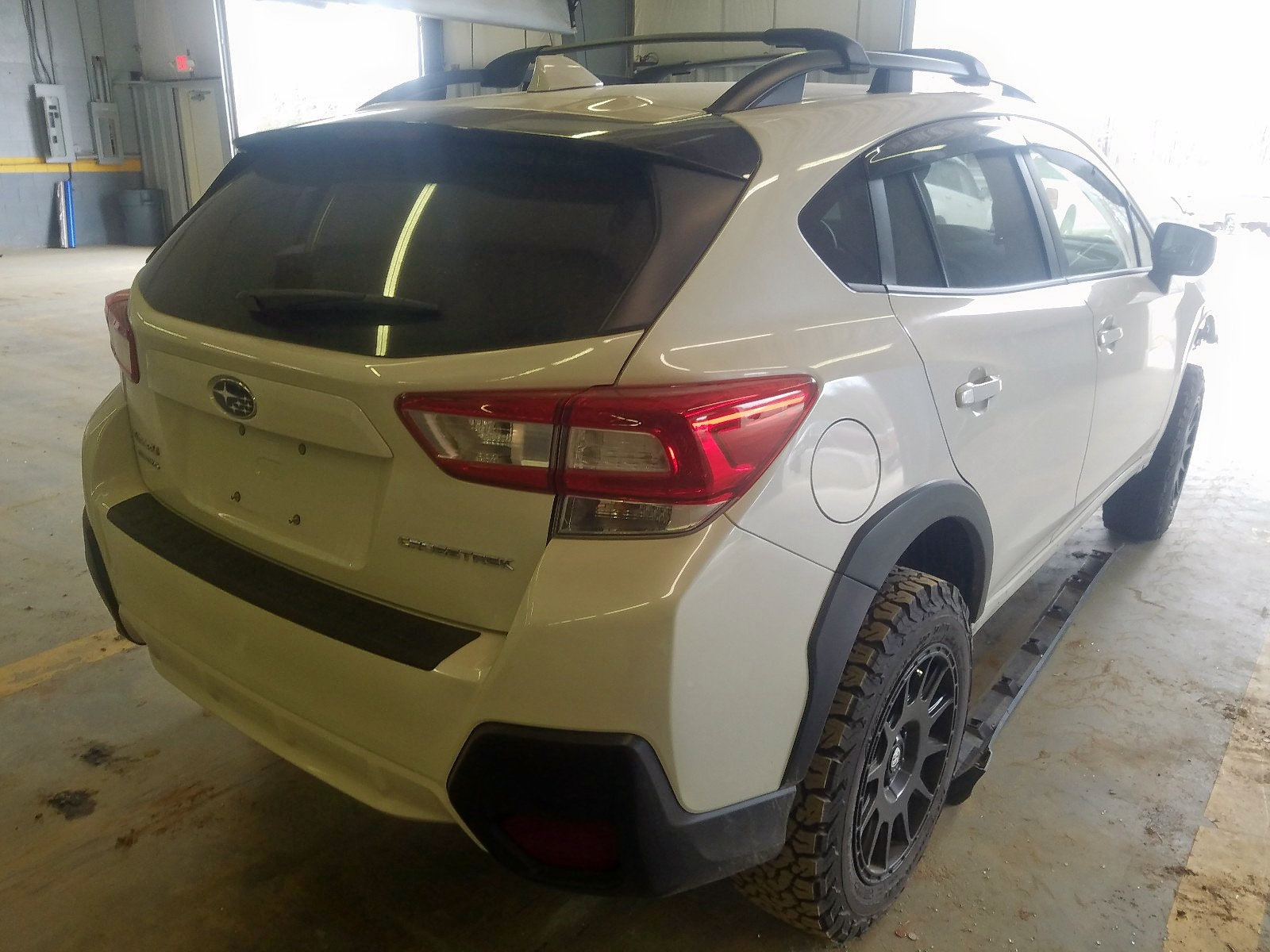 JF2GTACCXK8327139 - 2019 Subaru Crosstrek 2.0L rear view