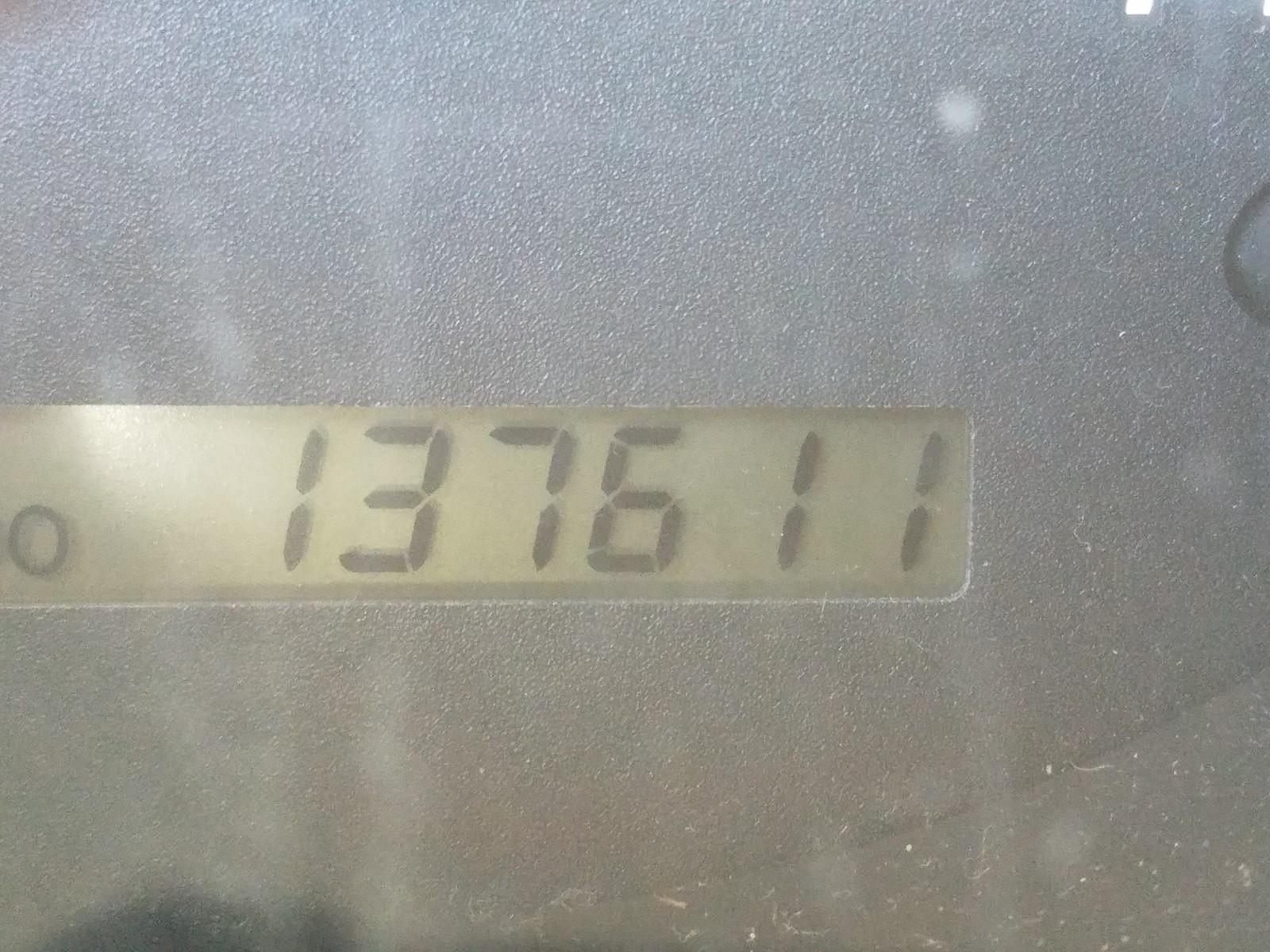 JTEGD21A060132850 - 2006 Toyota Highlander 2.4L front view