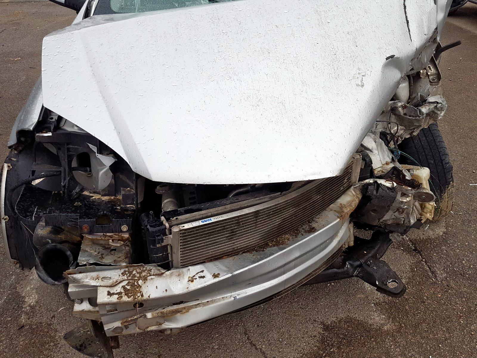 1G1AD5F50A7224606 - 2010 Chevrolet Cobalt 1Lt 2.2L inside view