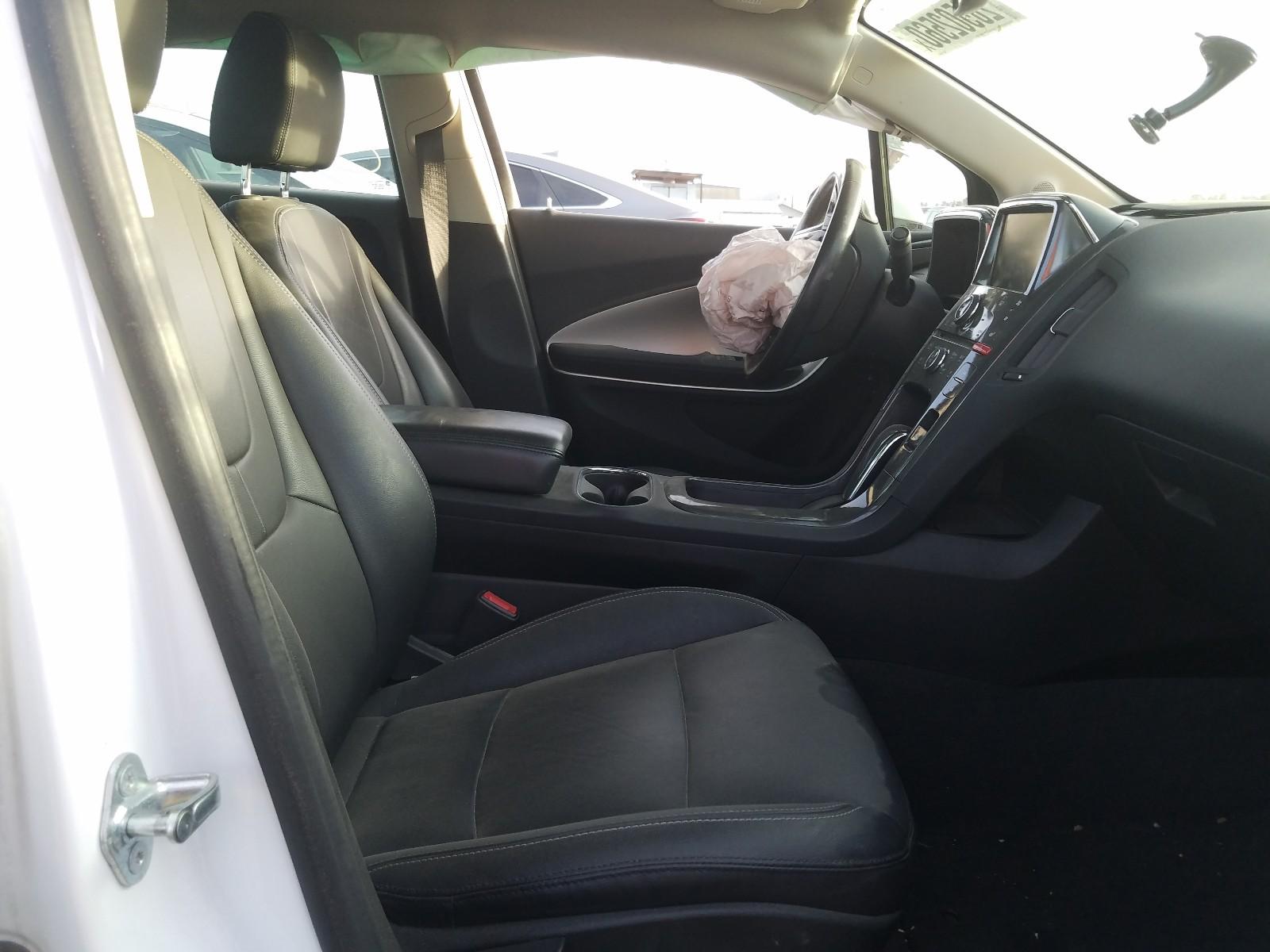 1G1RH6E47DU131223 - 2013 Chevrolet Volt 1.4L close up View