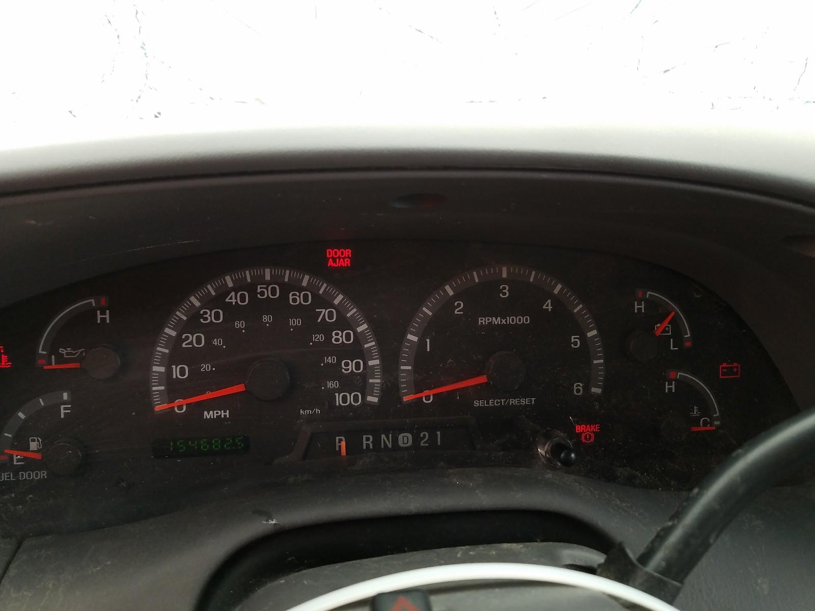 1FTRW08L01KB33707 - 2001 Ford F150 Super 5.4L front view
