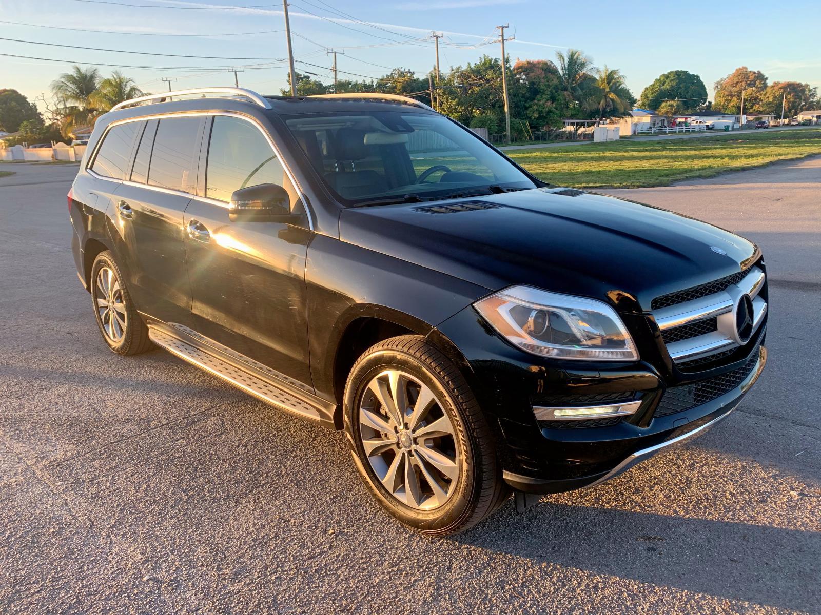 4JGDF7CE2DA152051 - 2013 Mercedes-Benz Gl 450 4Ma 4.6L Left View