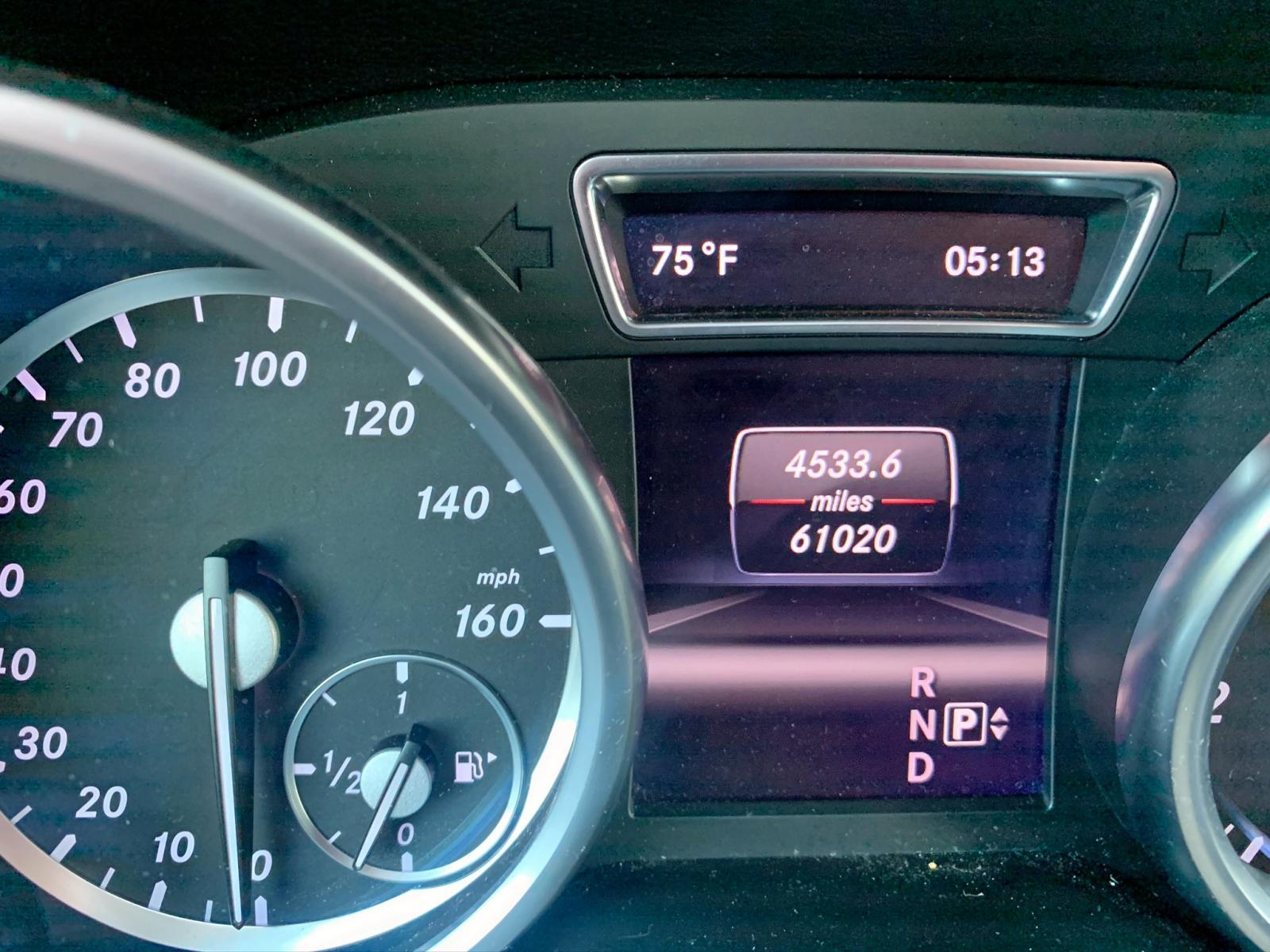 4JGDF7CE2DA152051 - 2013 Mercedes-Benz Gl 450 4Ma 4.6L inside view