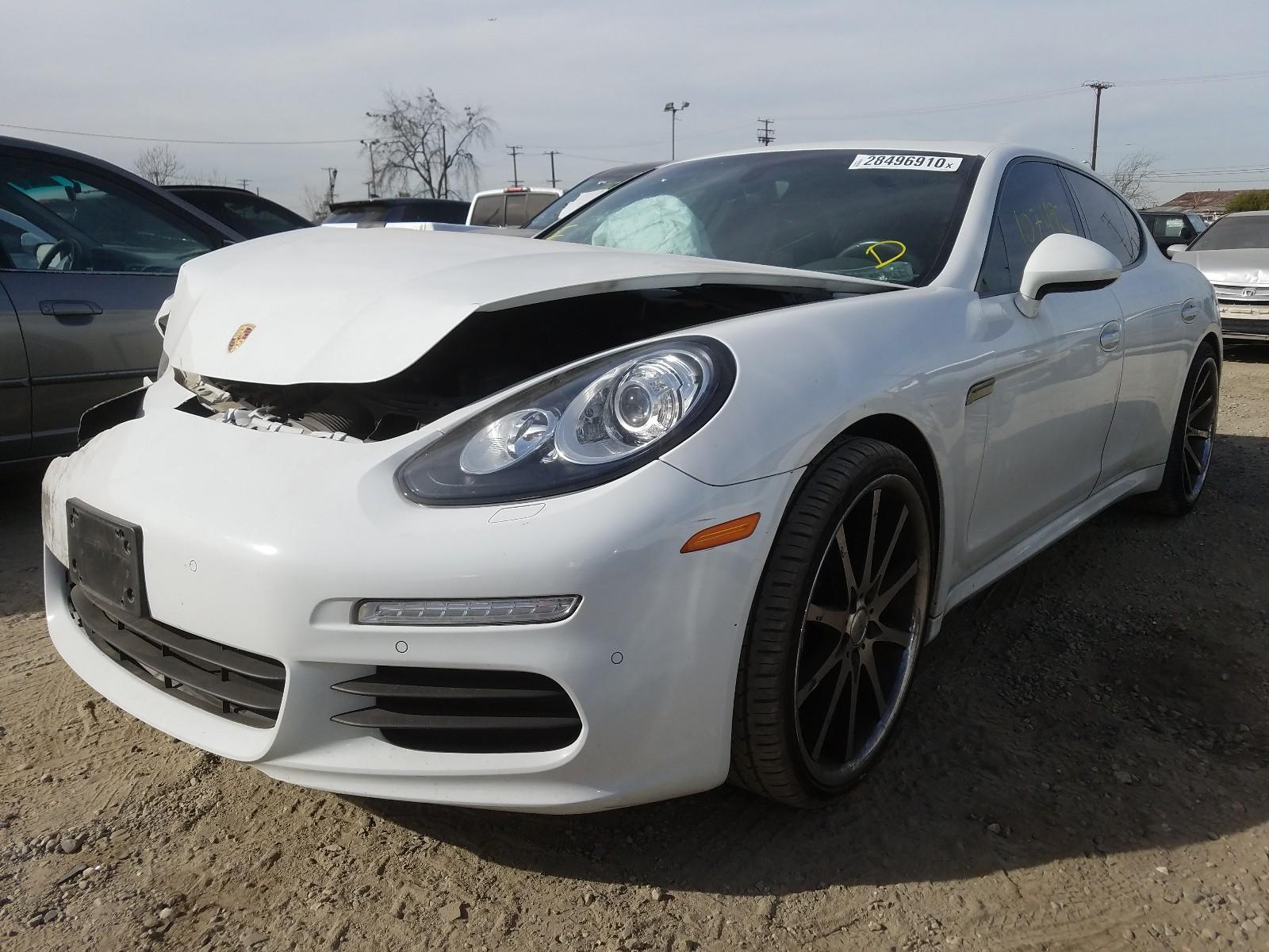 WP0AA2A79EL007804 - 2014 Porsche Panamera 2 3.6L Right View