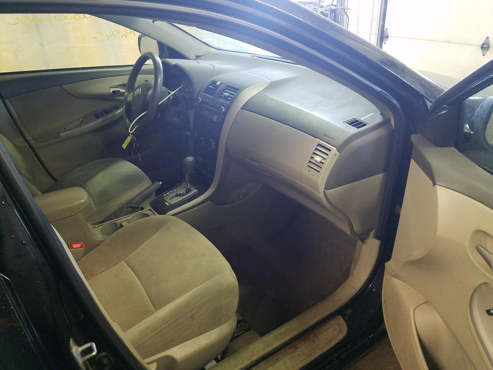 2T1BU4EE2AC420388 - 2010 Toyota Corolla Ba 1.8L close up View