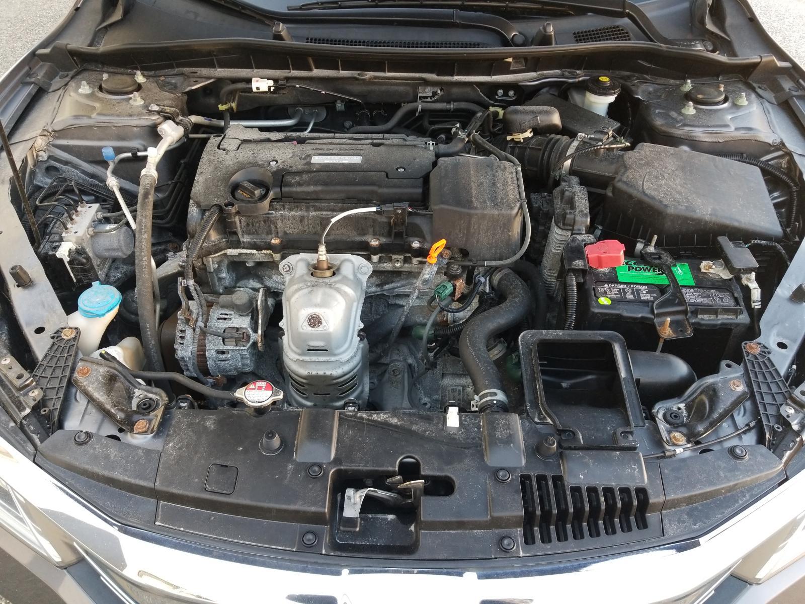 1HGCR2F3XGA192999 - 2016 Honda Accord Lx 2.4L inside view
