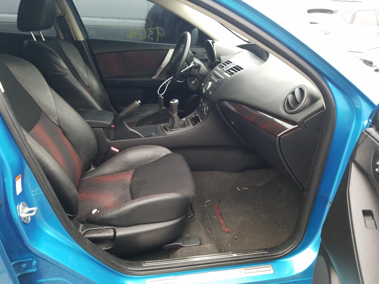JM1BL1K37B1400261 - 2011 Mazda Speed 3 2.3L close up View