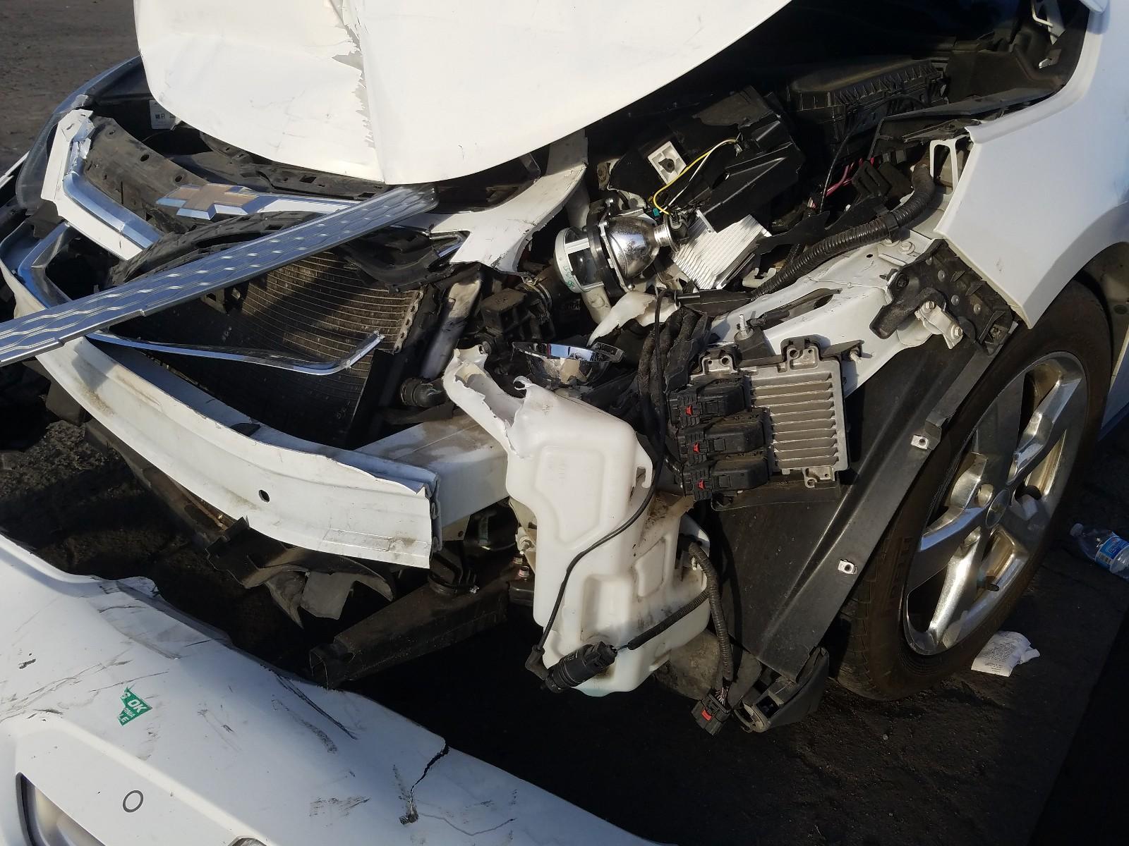 1G1RH6E47DU131223 - 2013 Chevrolet Volt 1.4L engine view