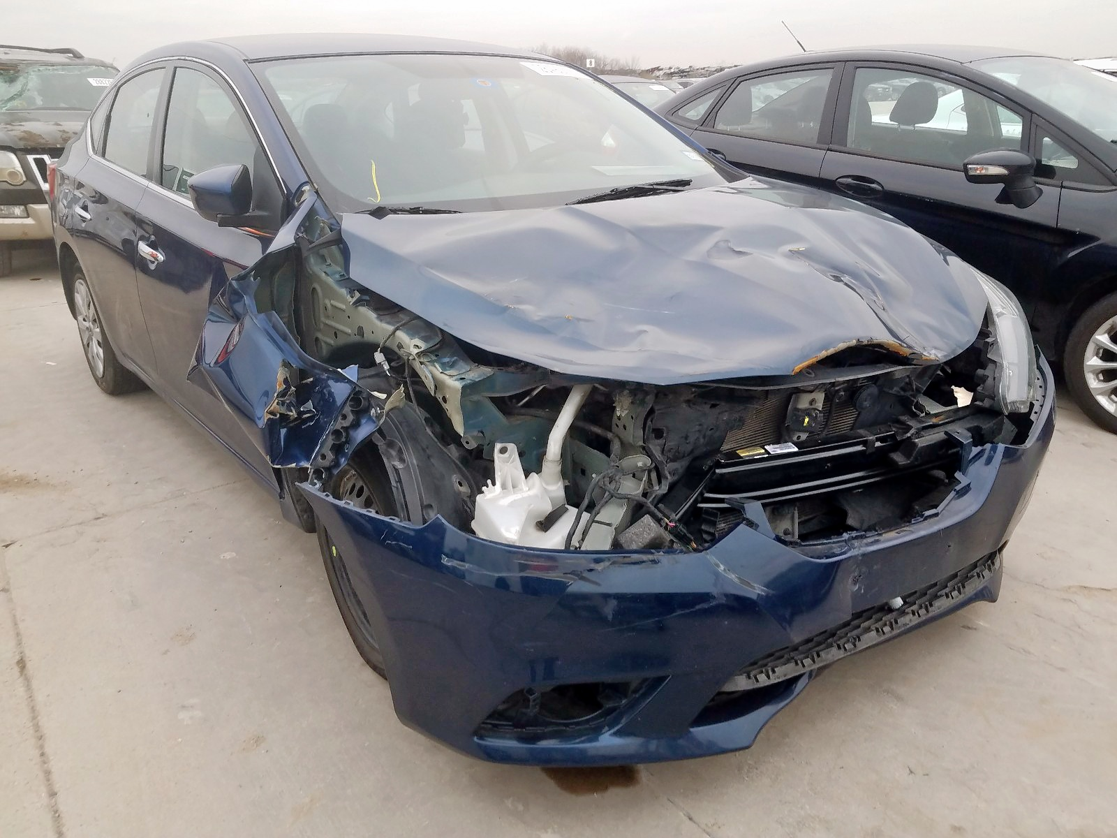 3N1AB7AP0GY210796 - 2016 Nissan Sentra S 1.8L Left View