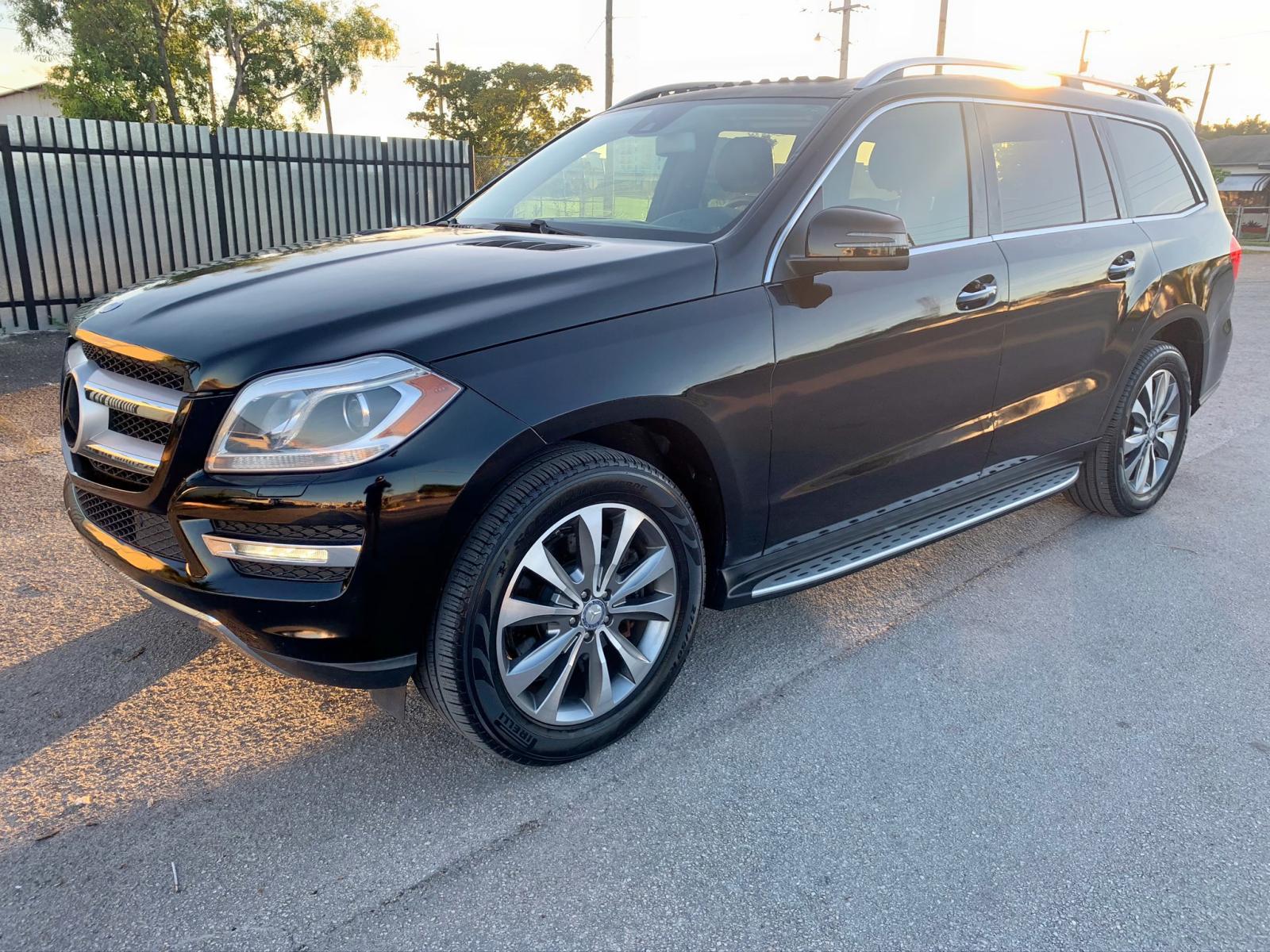 4JGDF7CE2DA152051 - 2013 Mercedes-Benz Gl 450 4Ma 4.6L Right View