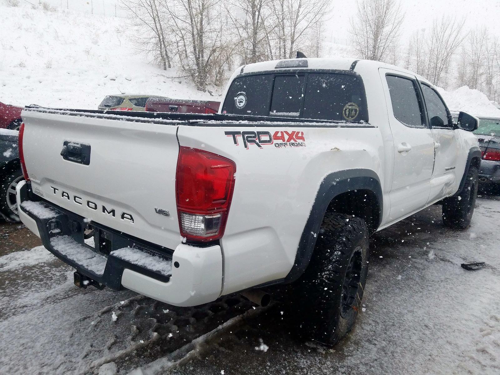 3TMCZ5AN1GM019500 - 2016 Toyota Tacoma Dou 3.5L rear view