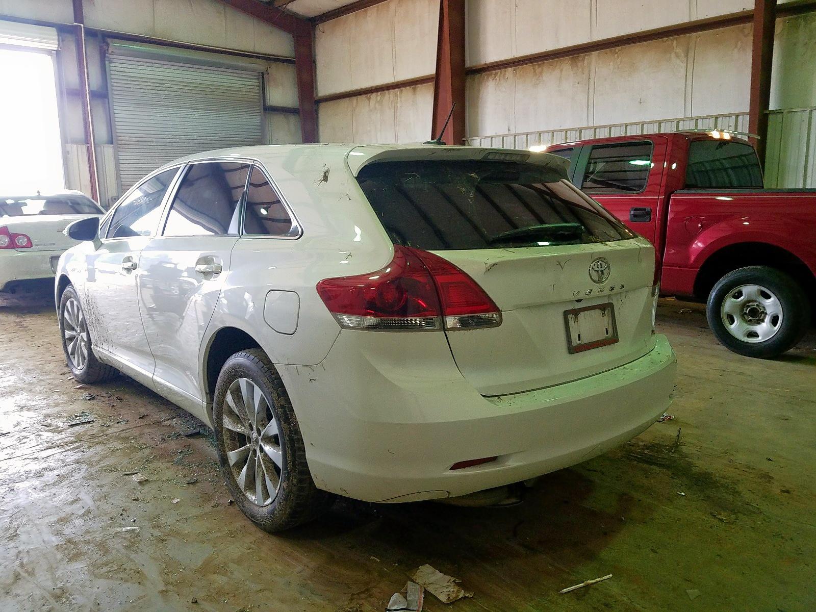 4T3ZA3BB1FU091644 - 2015 Toyota Venza Le 2.7L [Angle] View