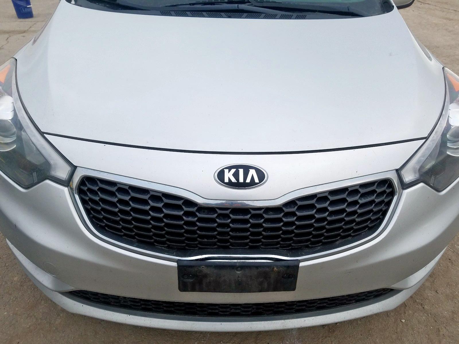 KNAFX4A81E5207960 - 2014 Kia Forte Ex 2.0L engine view