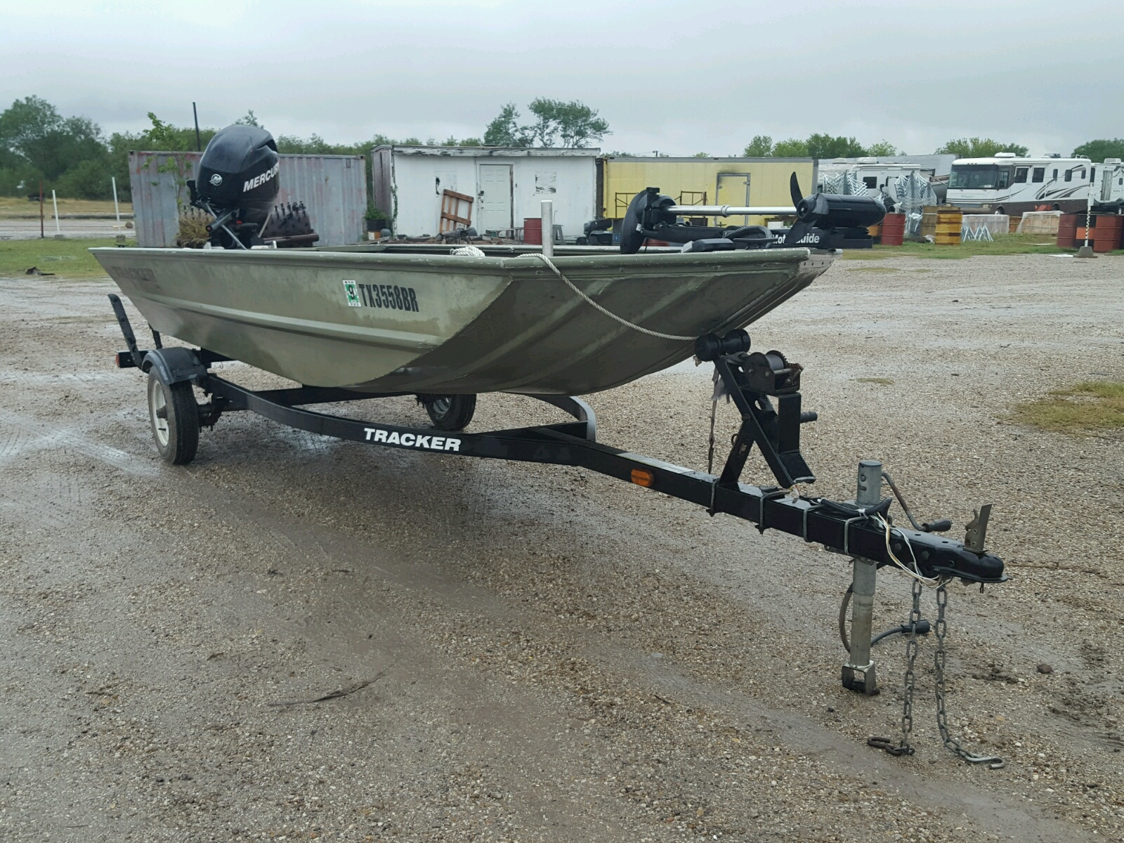 Salvage 2011 Griz BOAT for sale