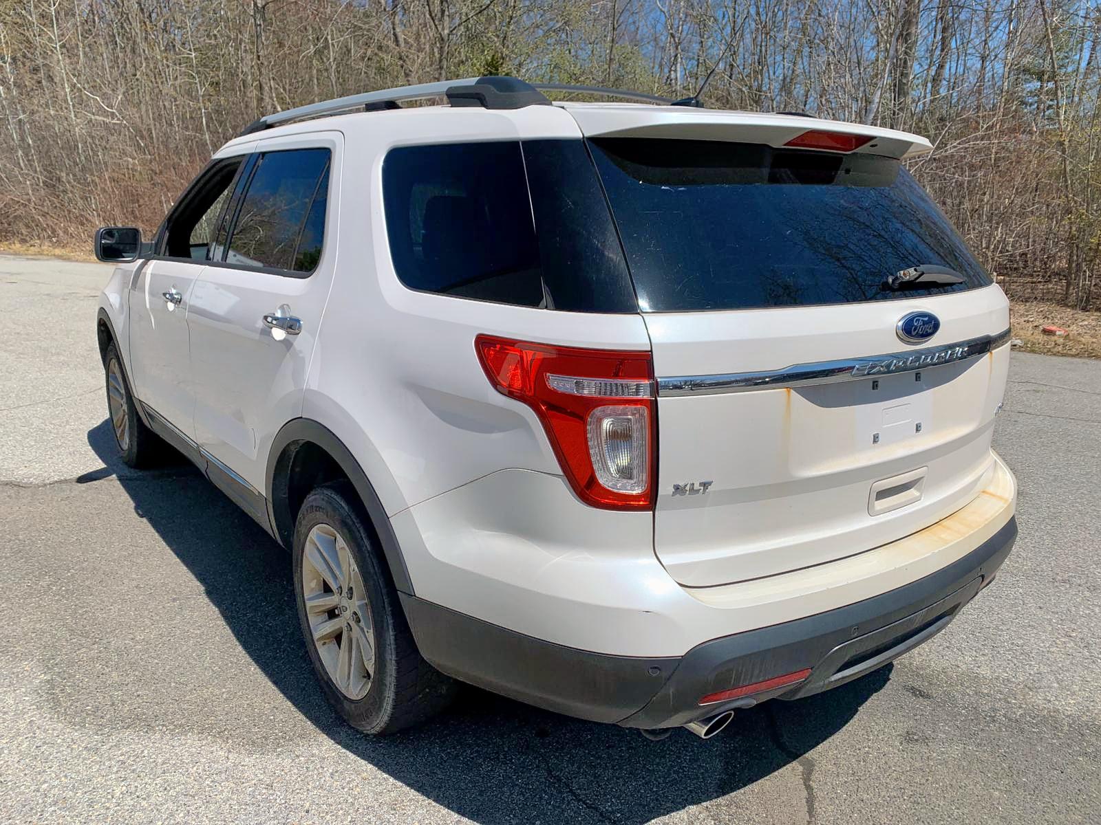 1FM5K8D80DGA05884 - 2013 Ford Explorer X 3.5L rear view
