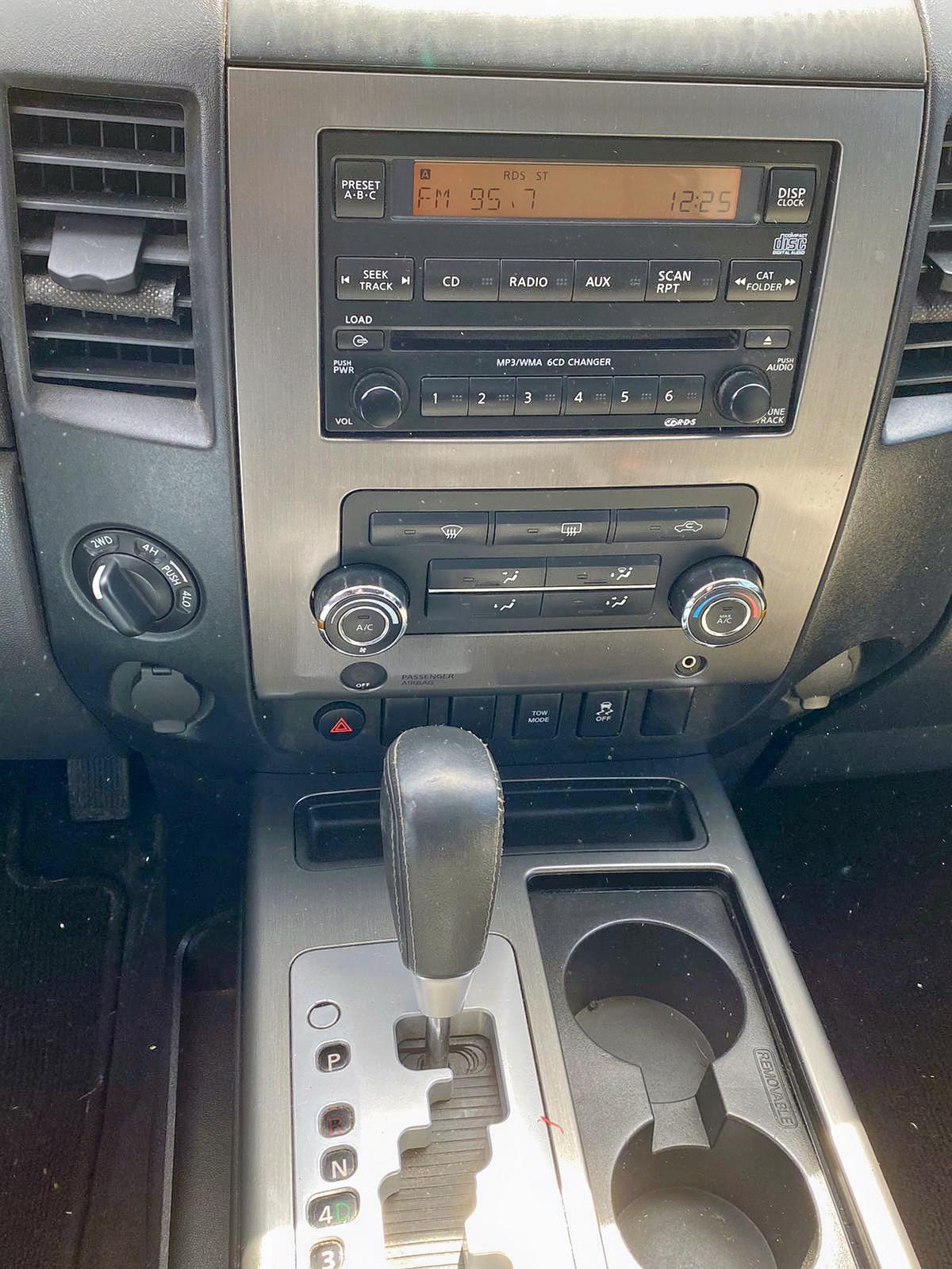 1N6AA0EJ9CN311613 - 2012 Nissan Titan S 5.6L
