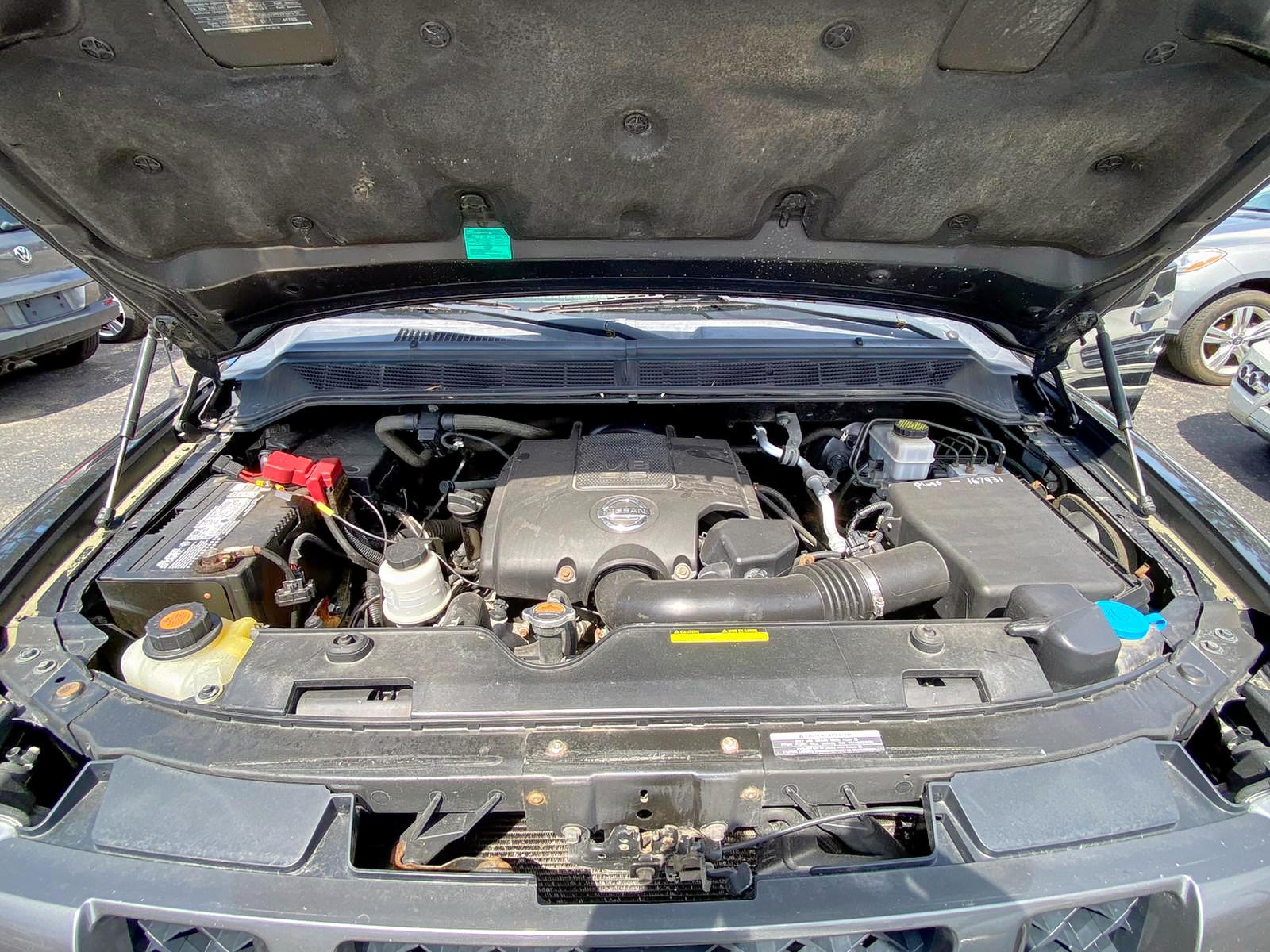 1N6AA0EJ9CN311613 - 2012 Nissan Titan S 5.6L inside view