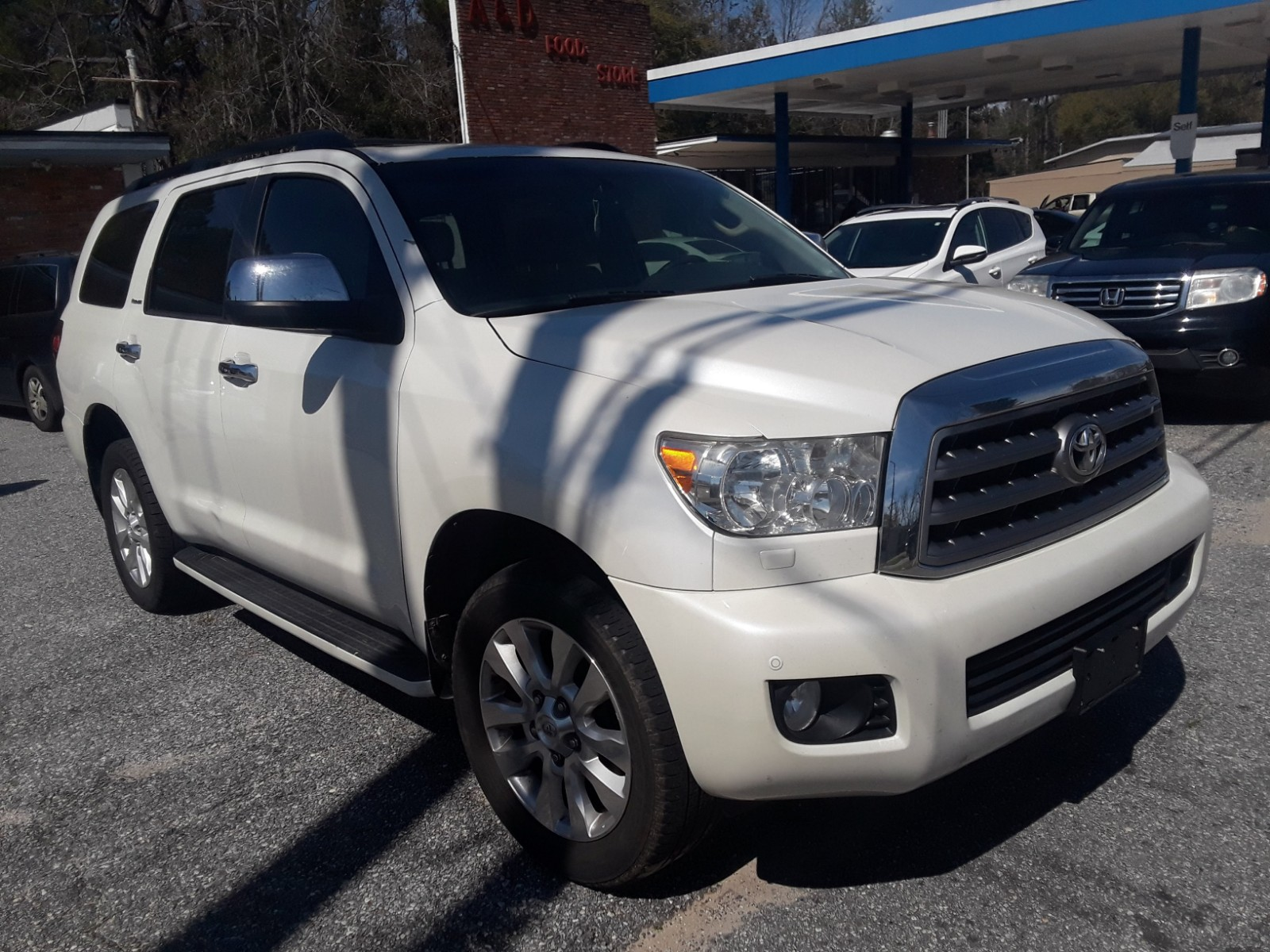 5TDYY5G10DS045286 - 2013 Toyota Sequoia Pl 5.7L Left View