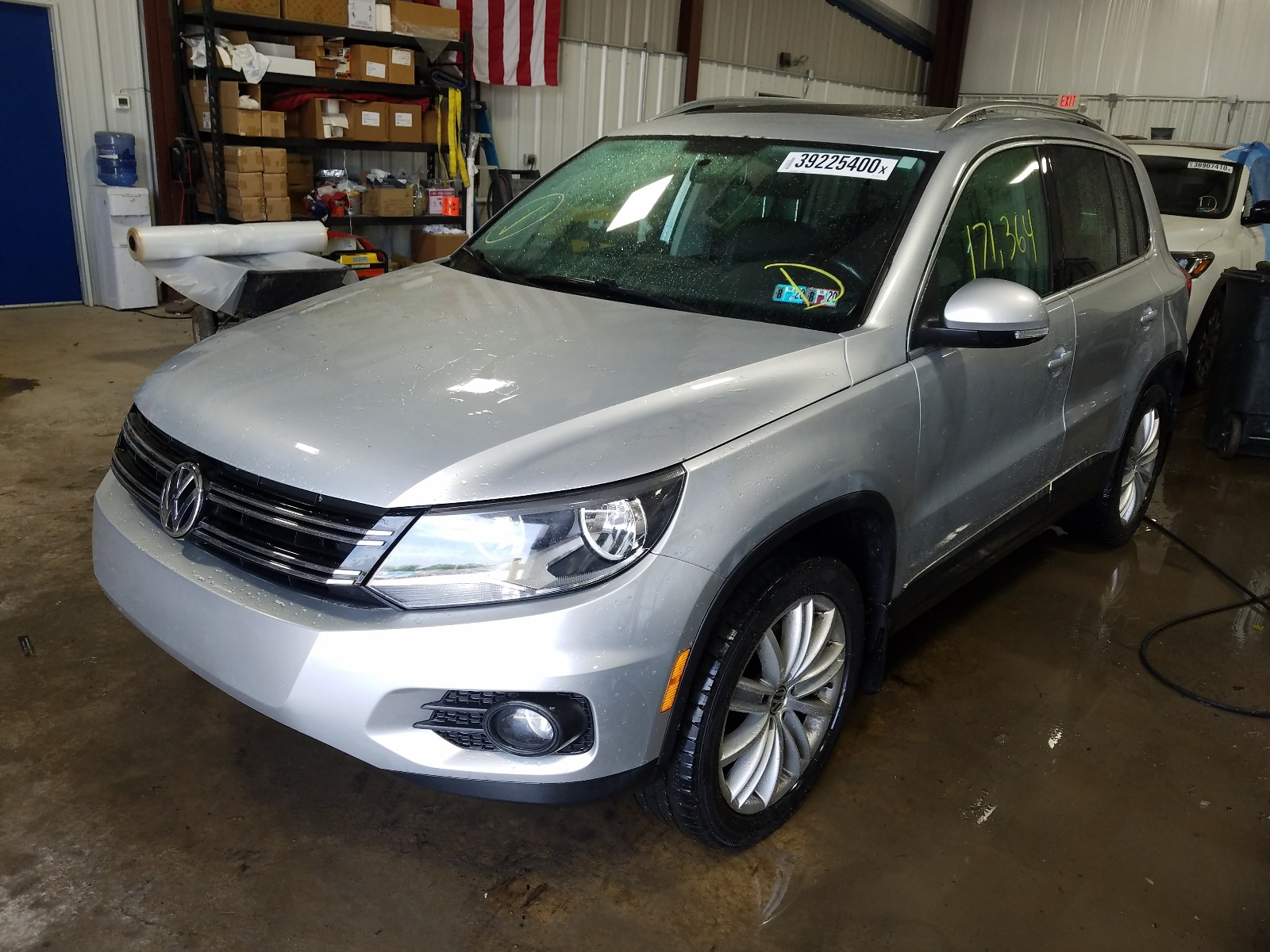 WVGBV3AX3DW567177 - 2013 Volkswagen Tiguan S 2.0L Right View