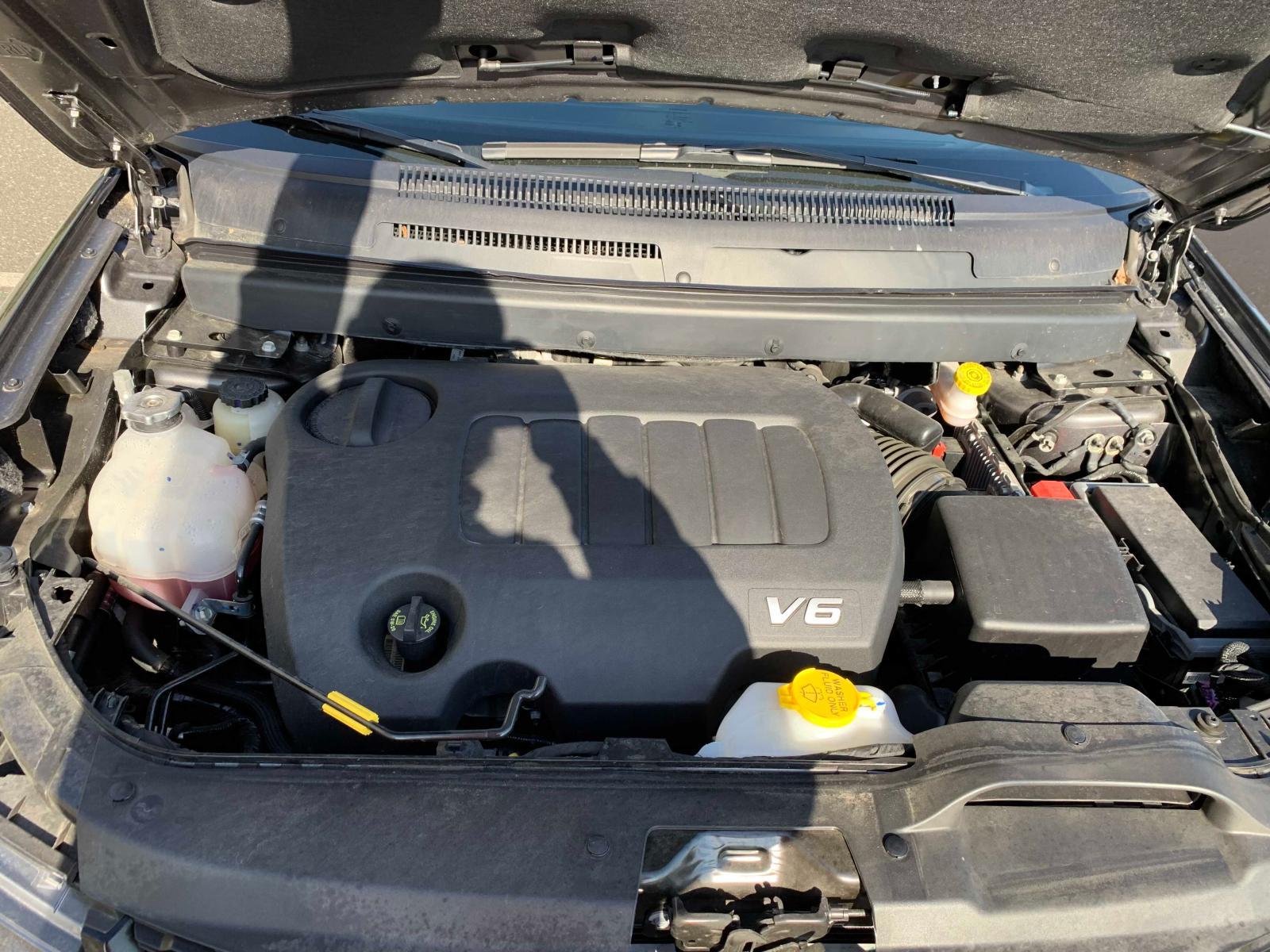 3C4PDCBG1KT804795 - 2019 Dodge Journey Se 3.6L inside view