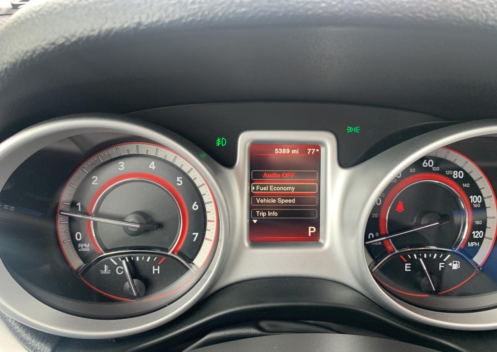 3C4PDCBG1KT804795 - 2019 Dodge Journey Se 3.6L front view