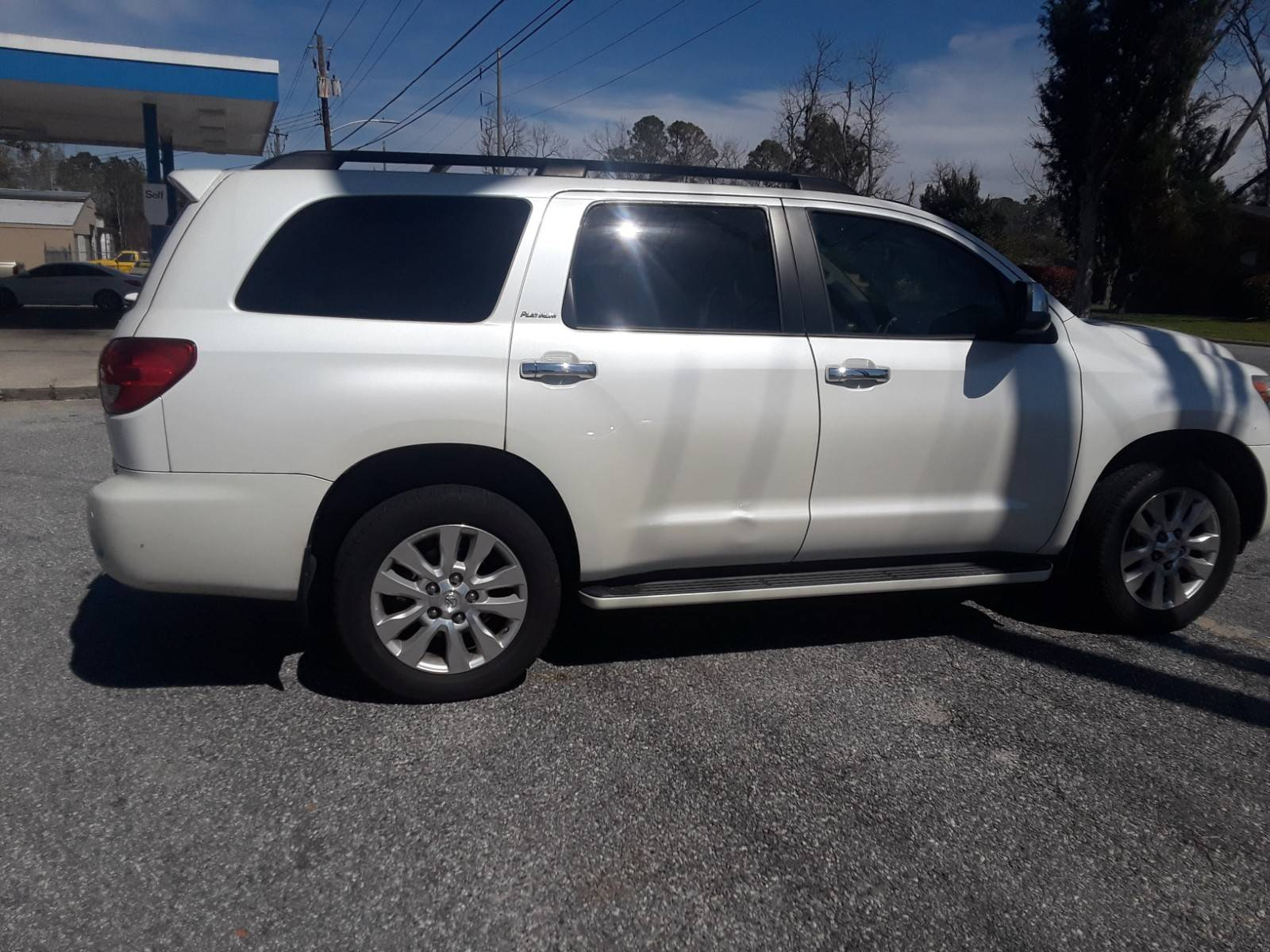 5TDYY5G10DS045286 - 2013 Toyota Sequoia Pl 5.7L rear view