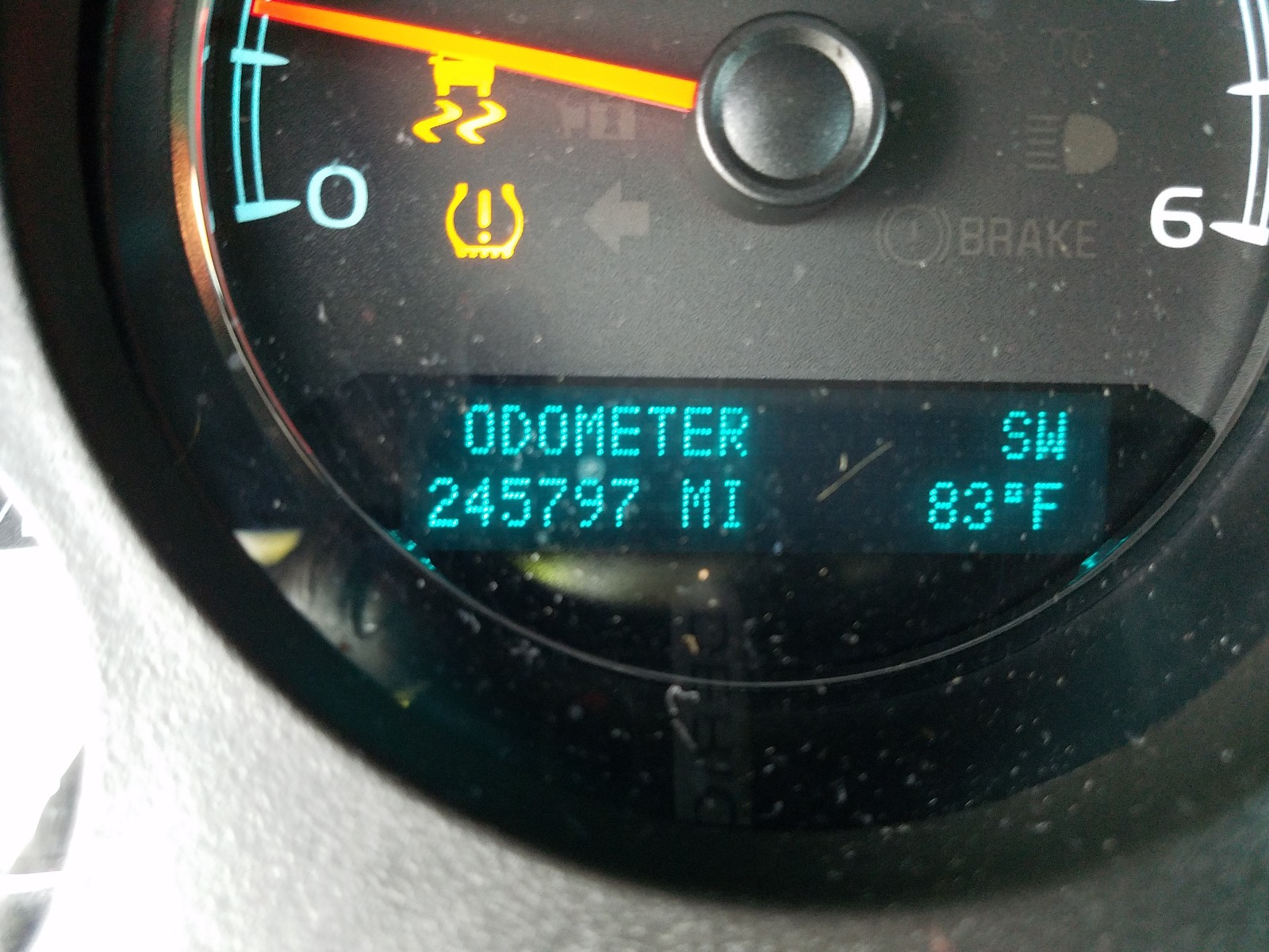 2013 Chevrolet Suburban K 5.3L front view