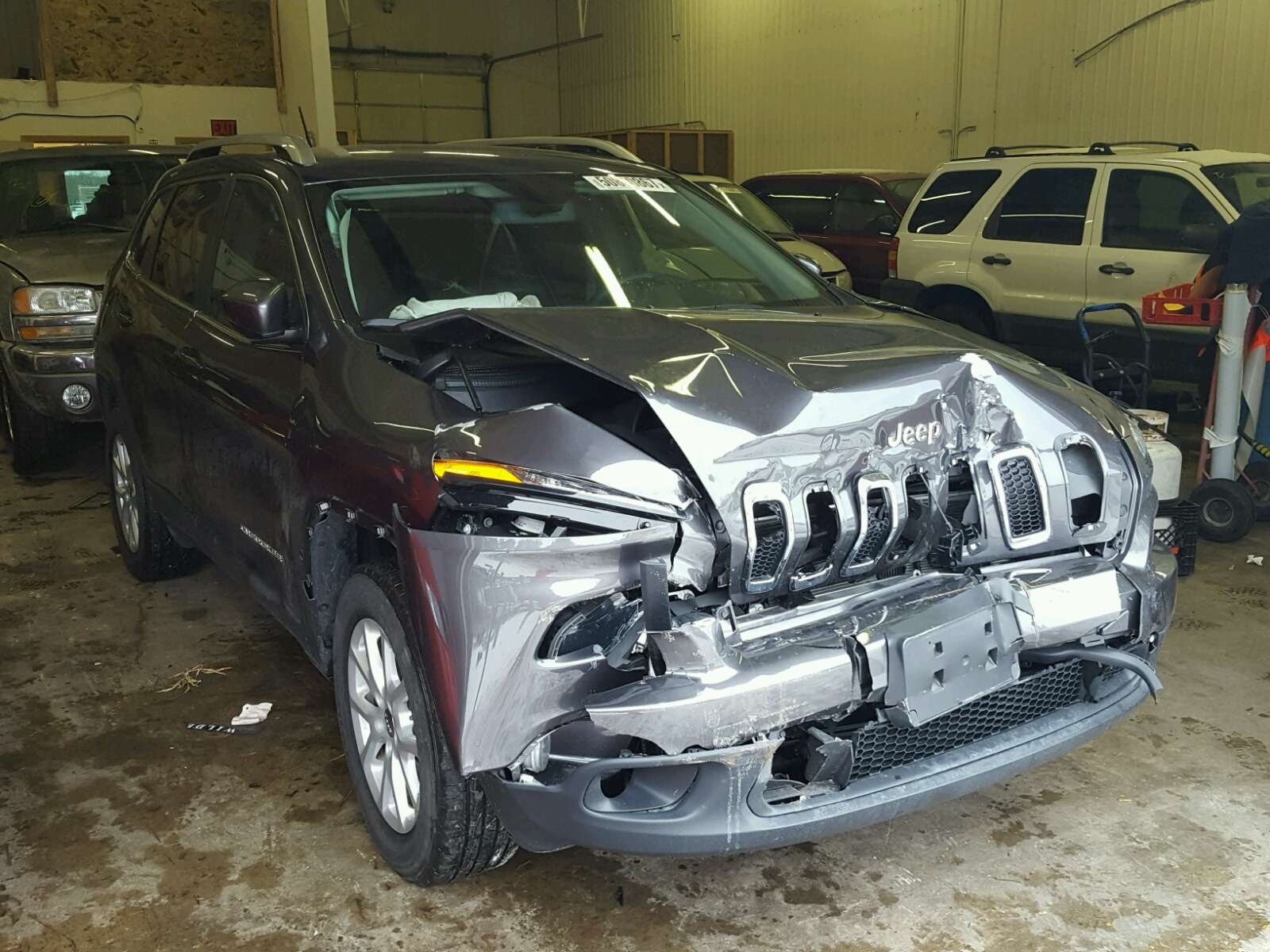 Auto Auction Ended on VIN 1C4PJMCB1HW 2017 JEEP CHEROKEE L in