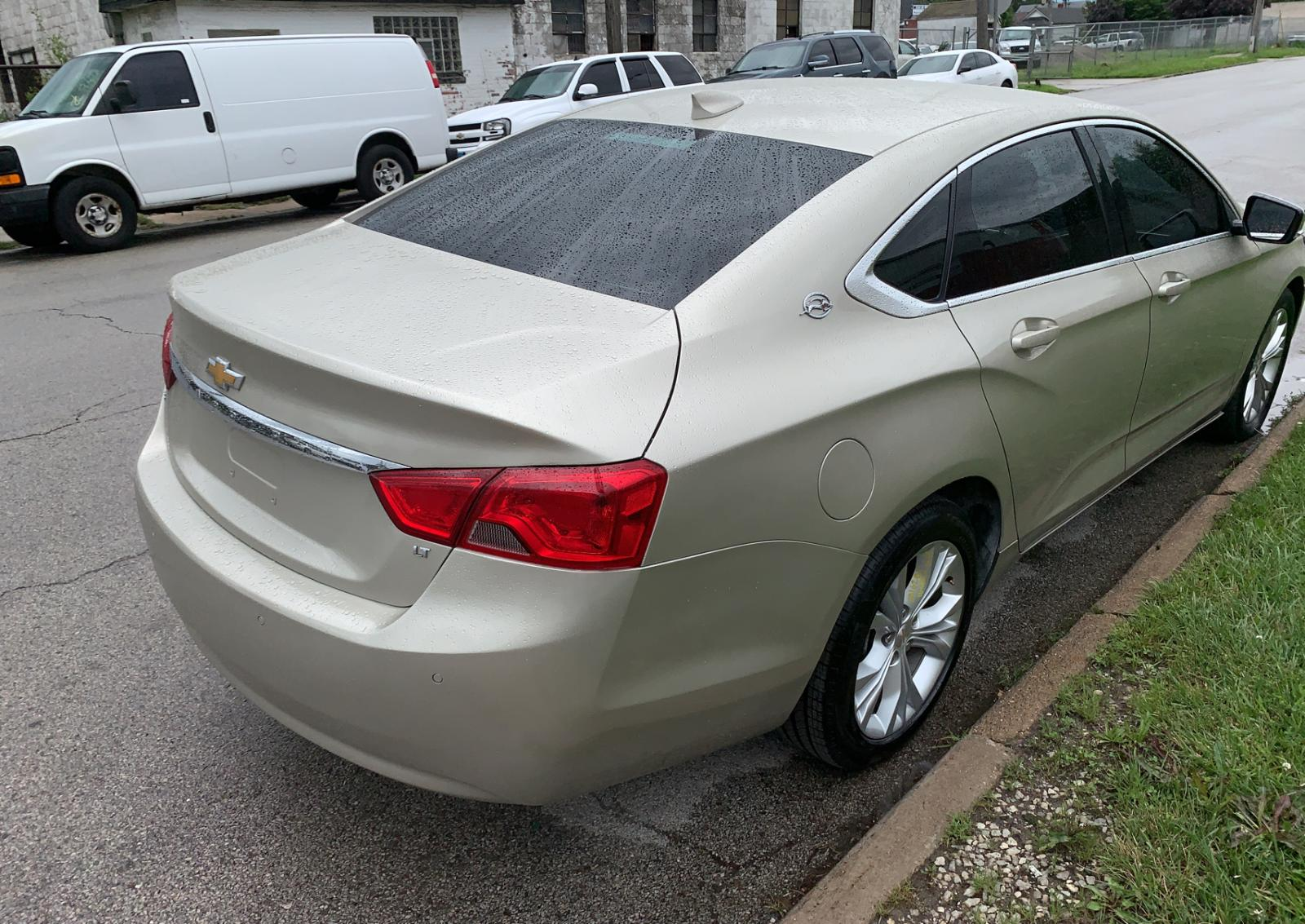 2G1125S37F9275522 - 2015 Chevrolet Impala Lt 3.6L rear view