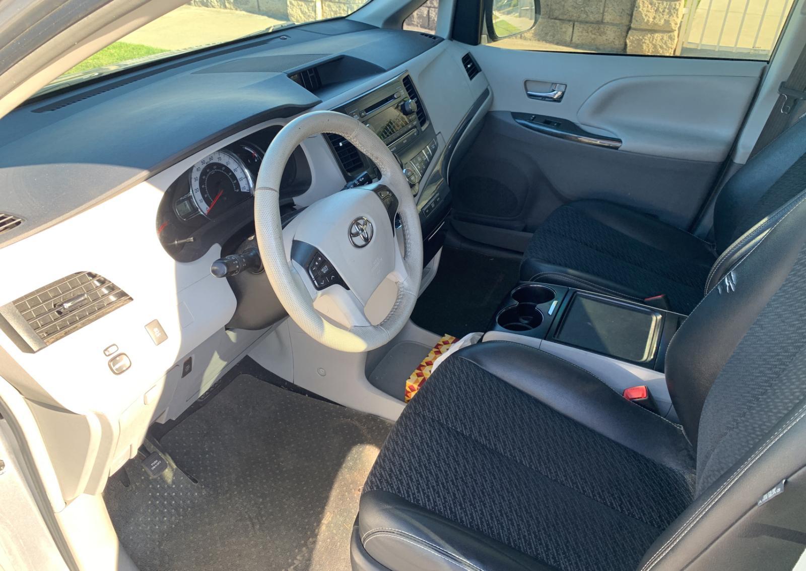 2012 Toyota Sienna Spo 3.5L engine view