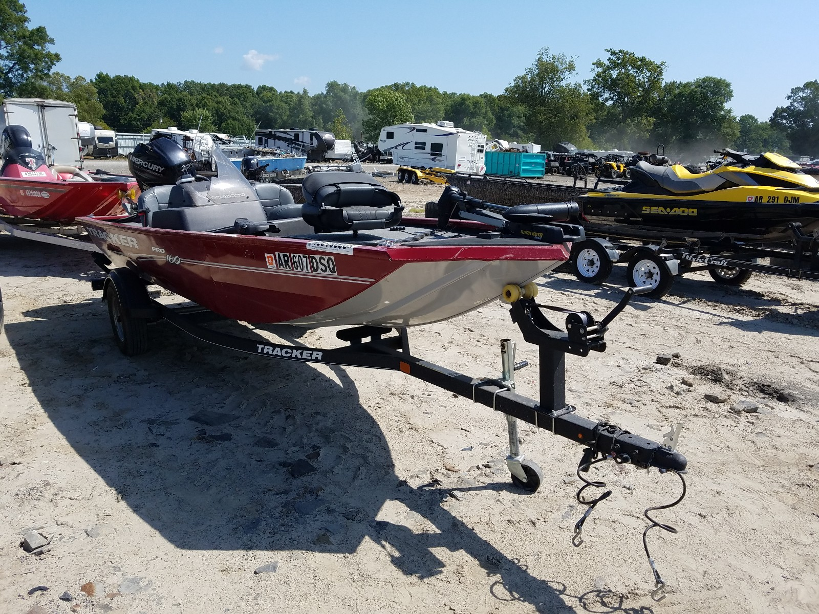 2019 Tracker Boat