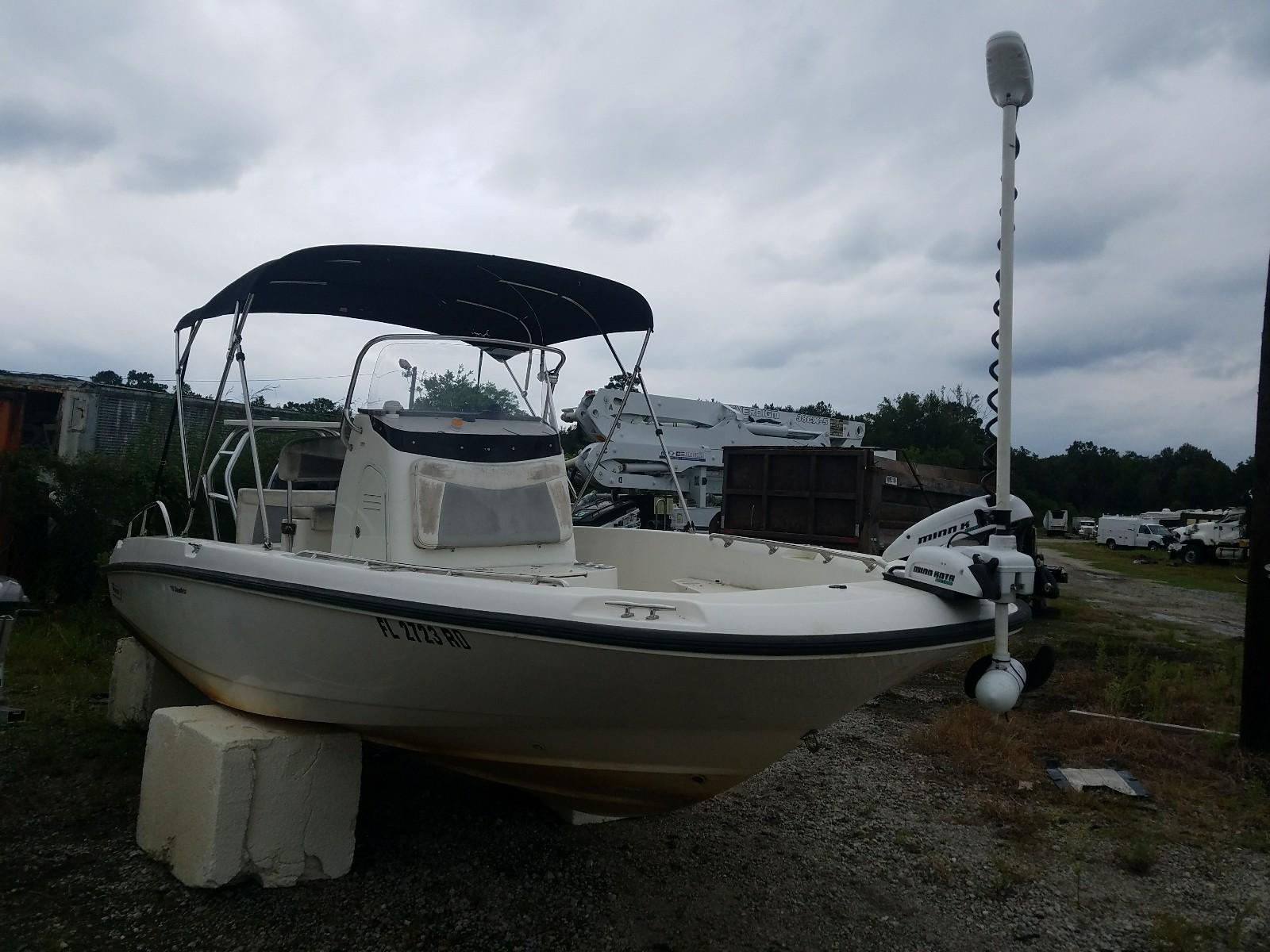 2014 Boston Whaler Boat