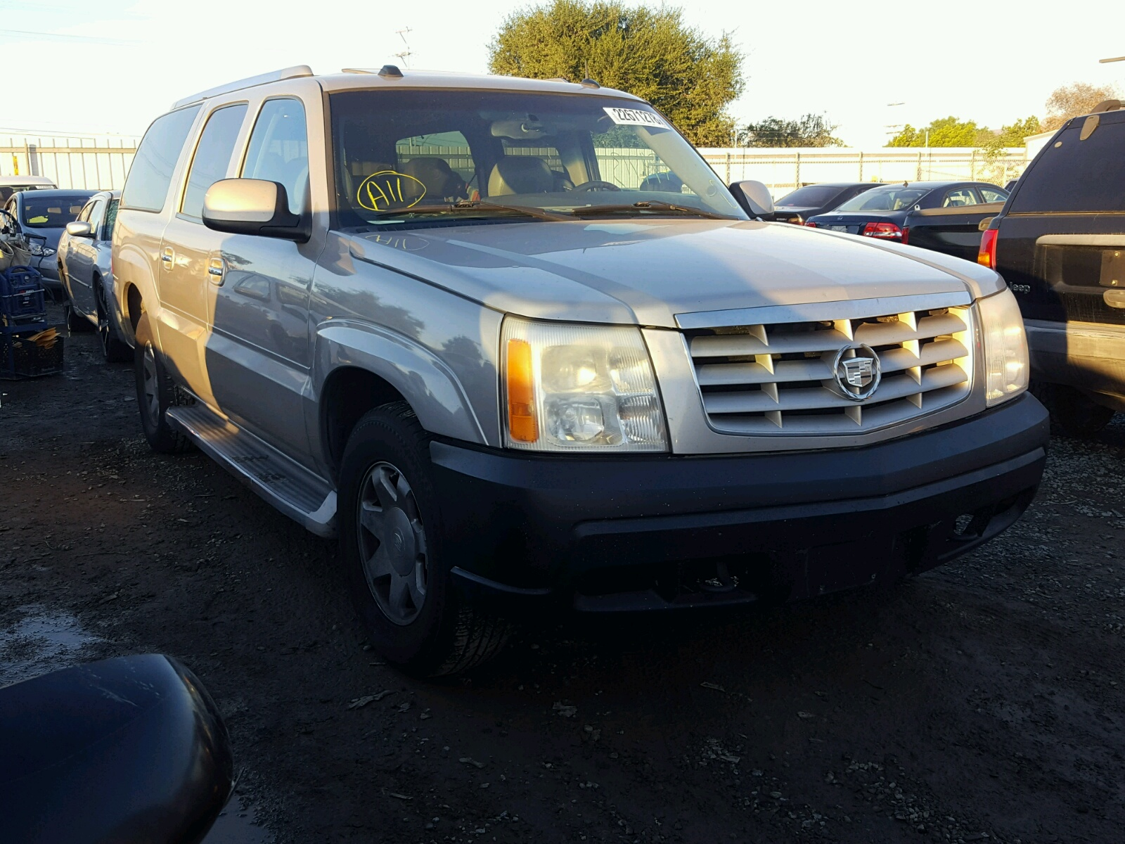 view north auto sale on escalade l carfinder chicago salvage copart certificate left white en for lot il cadillac auctions online in
