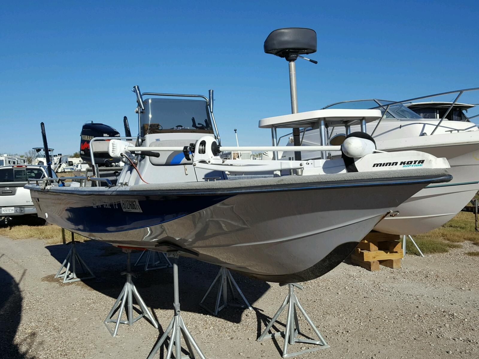 Salvage 2003 Blue Wave BOAT for sale