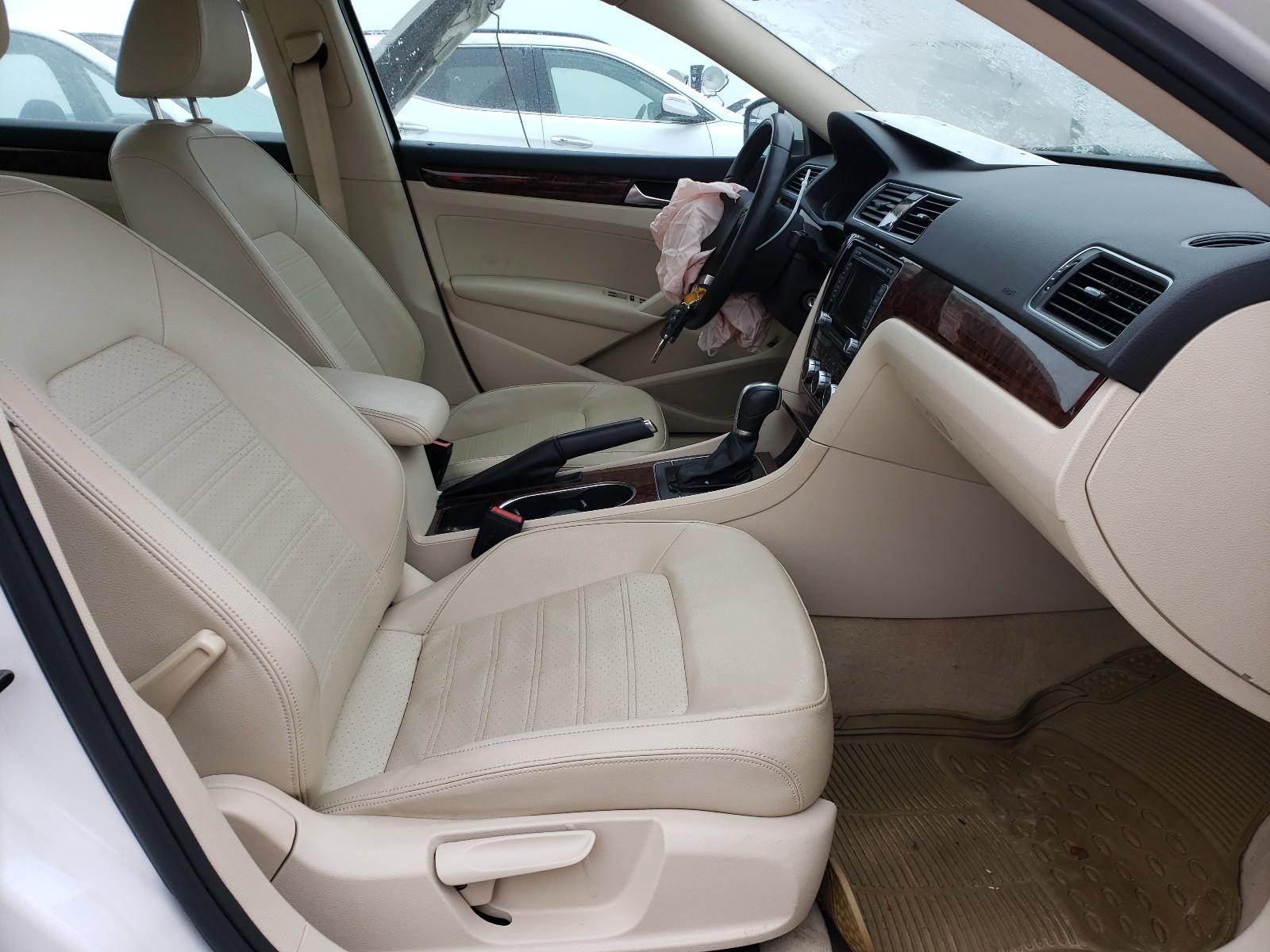 2013 Volkswagen Passat SEL