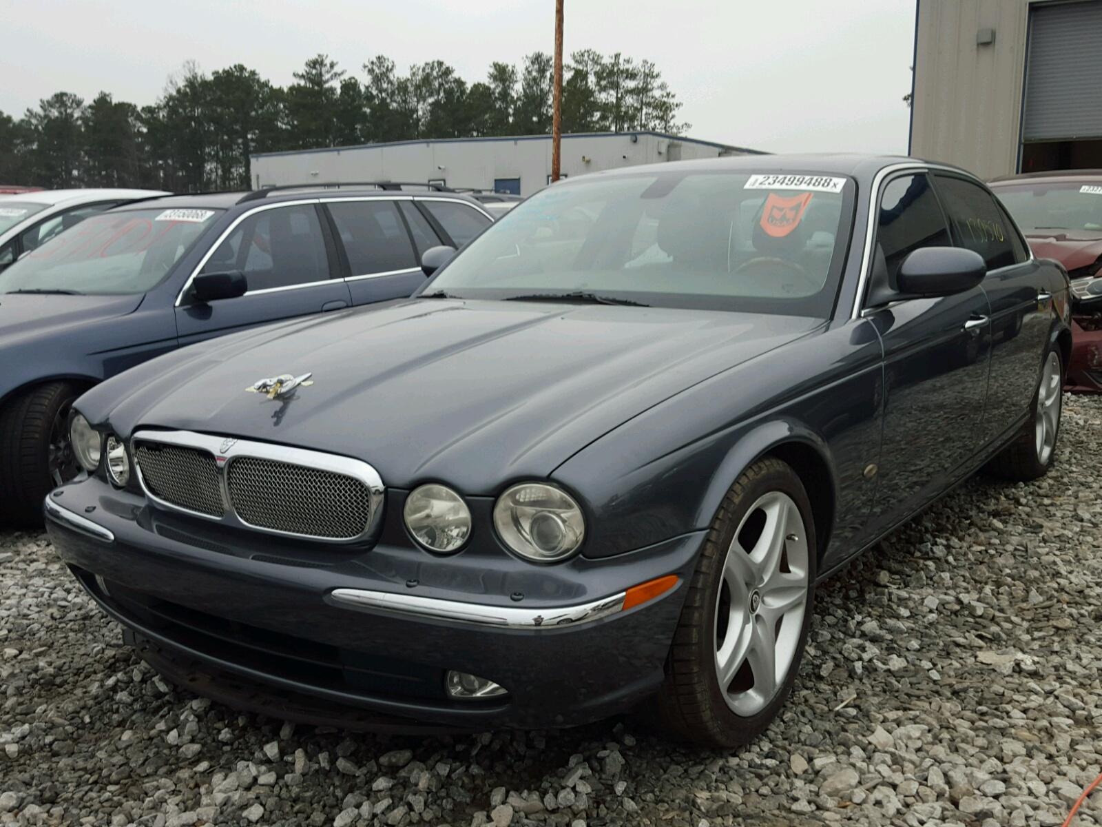 xj v s road super original jaguar test take photo short reviews
