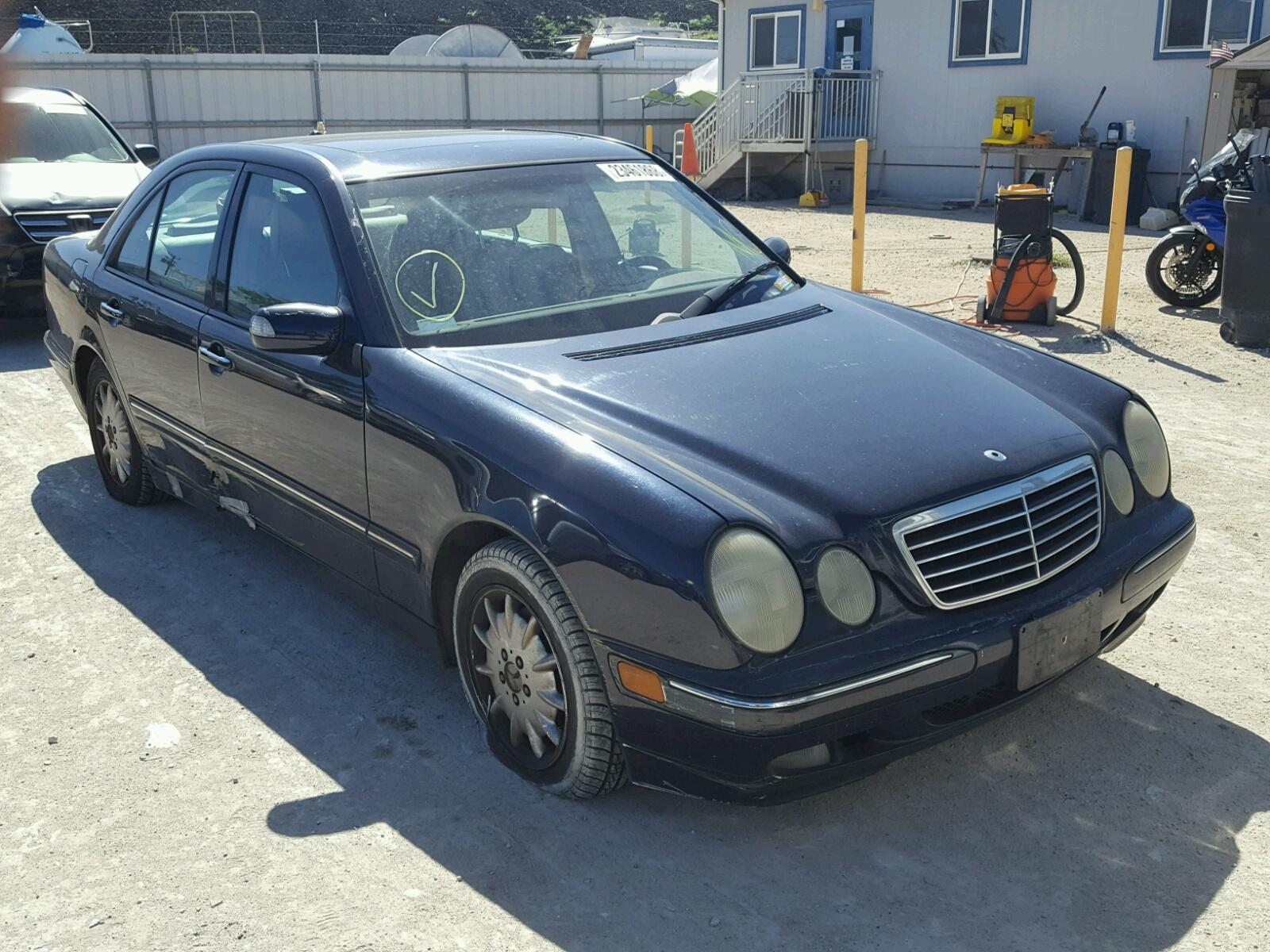 Salvaged mercedes benz for auction autobidmaster for Salvage mercedes benz