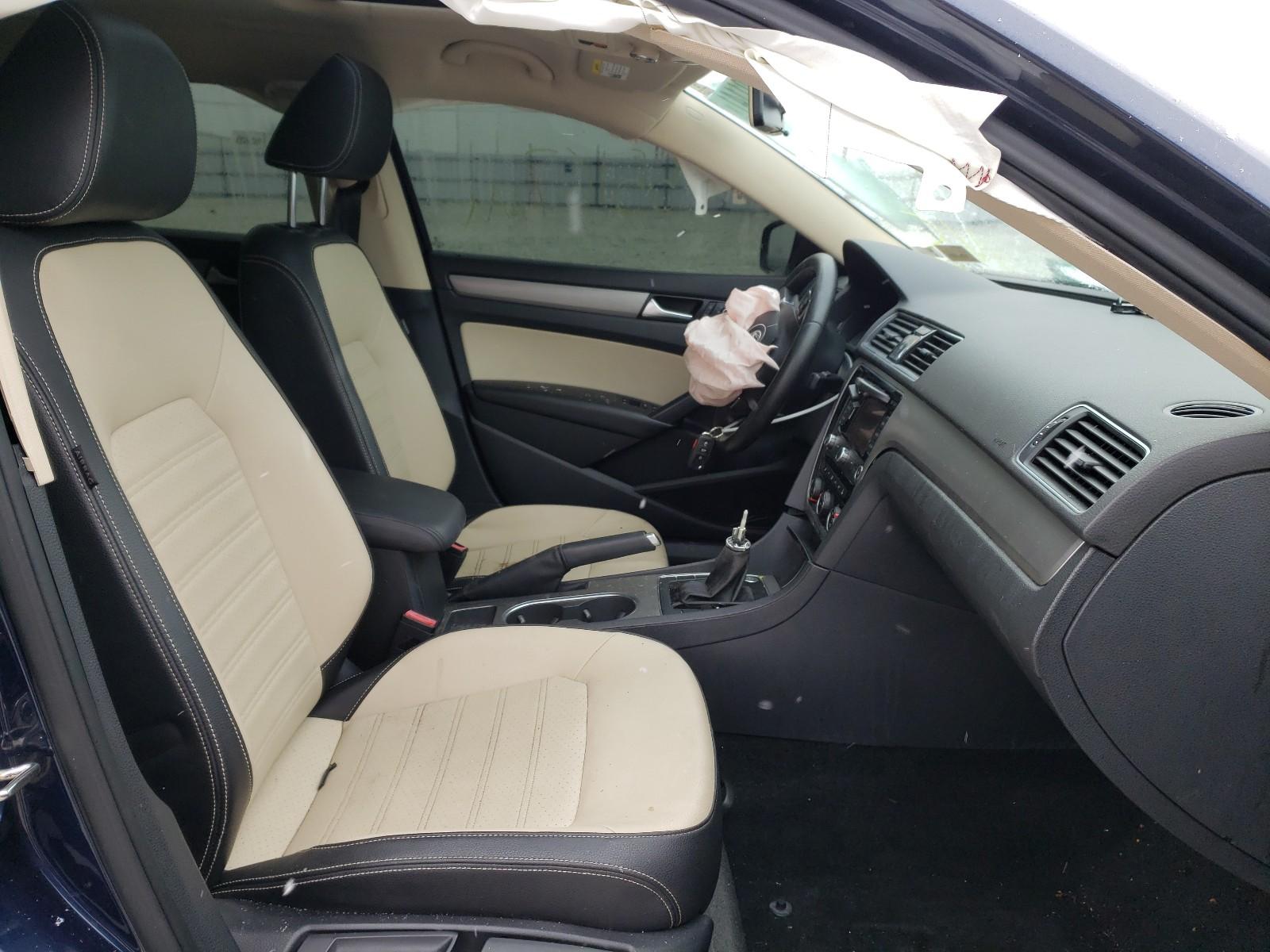 2015 Volkswagen Passat SE