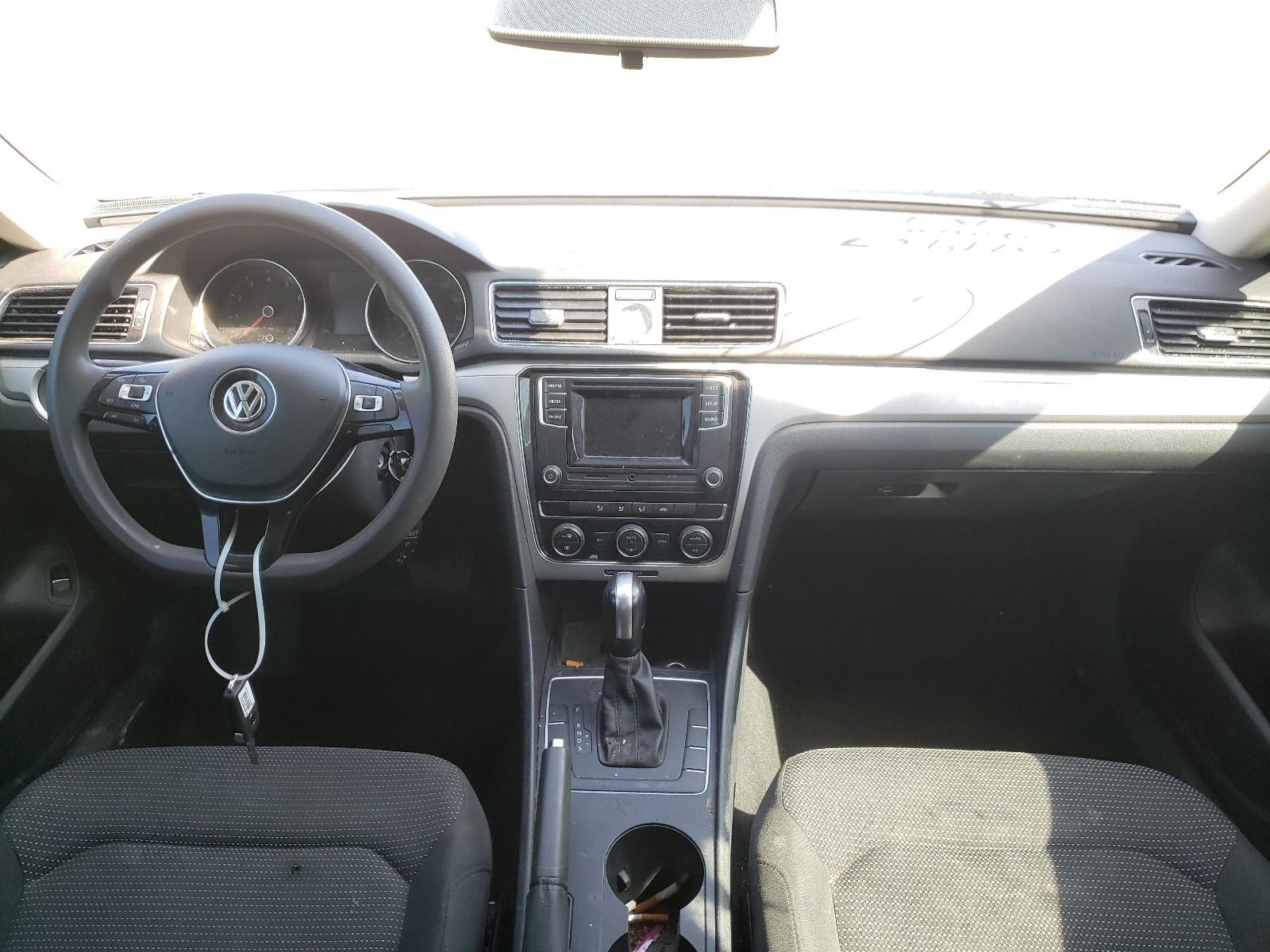 2016 Volkswagen Passat S