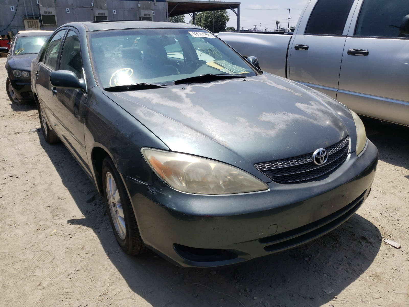 2002 TOYOTA CAMRY LE - JTDBE30K220043254
