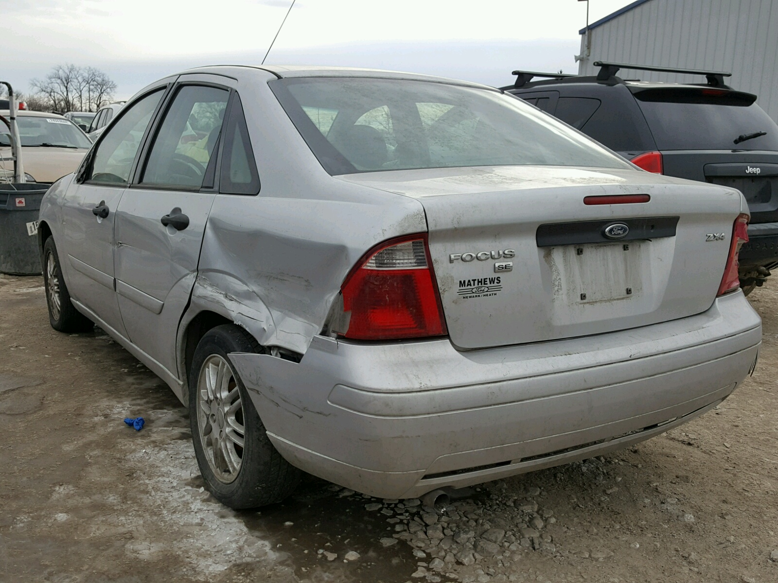 2005 Ford Focus Zx4 Front End Damage 1FAFP34NX5W Sold