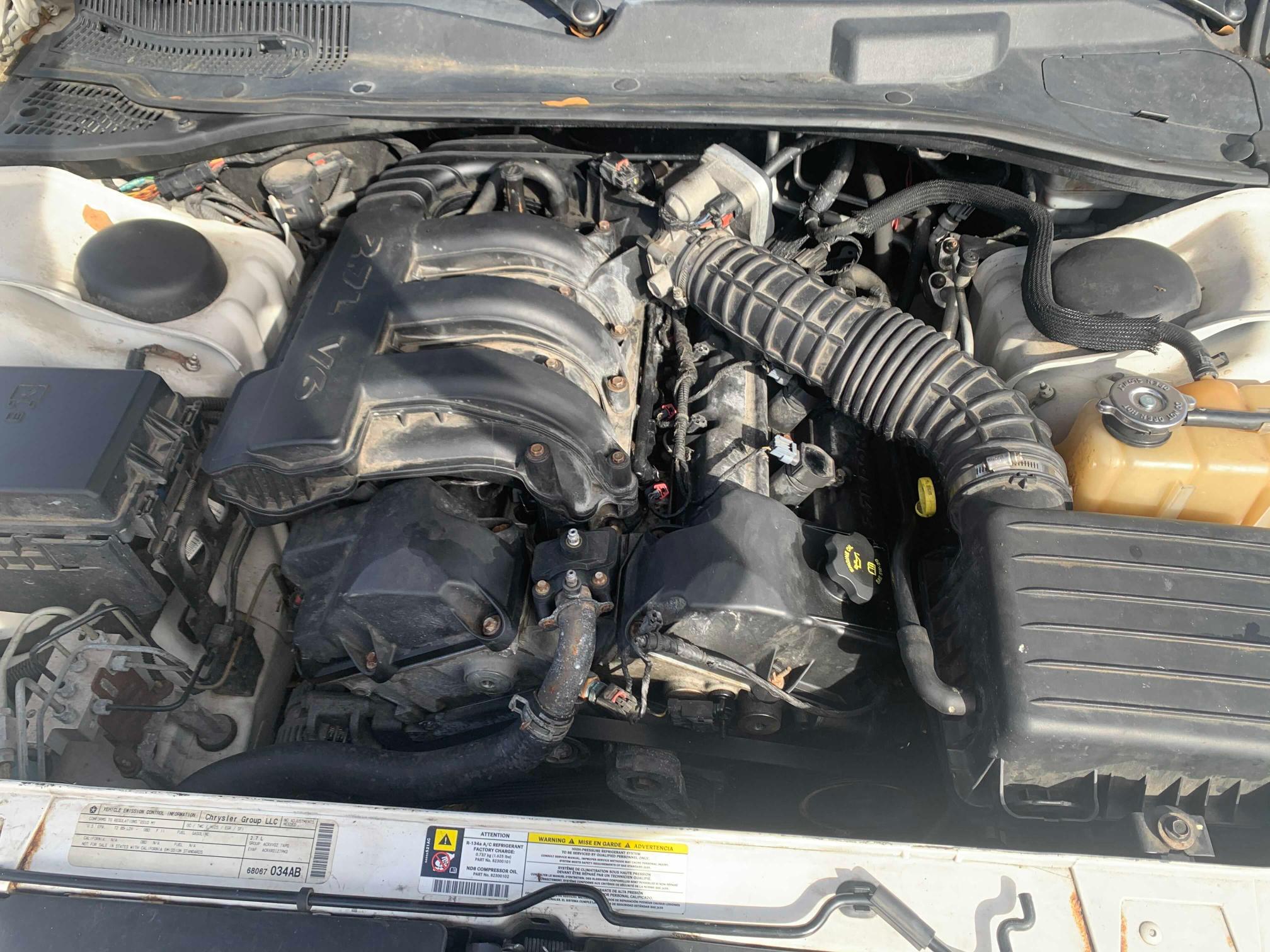 2B3CA4CD4AH143788 2010 Dodge Charger 2.7L